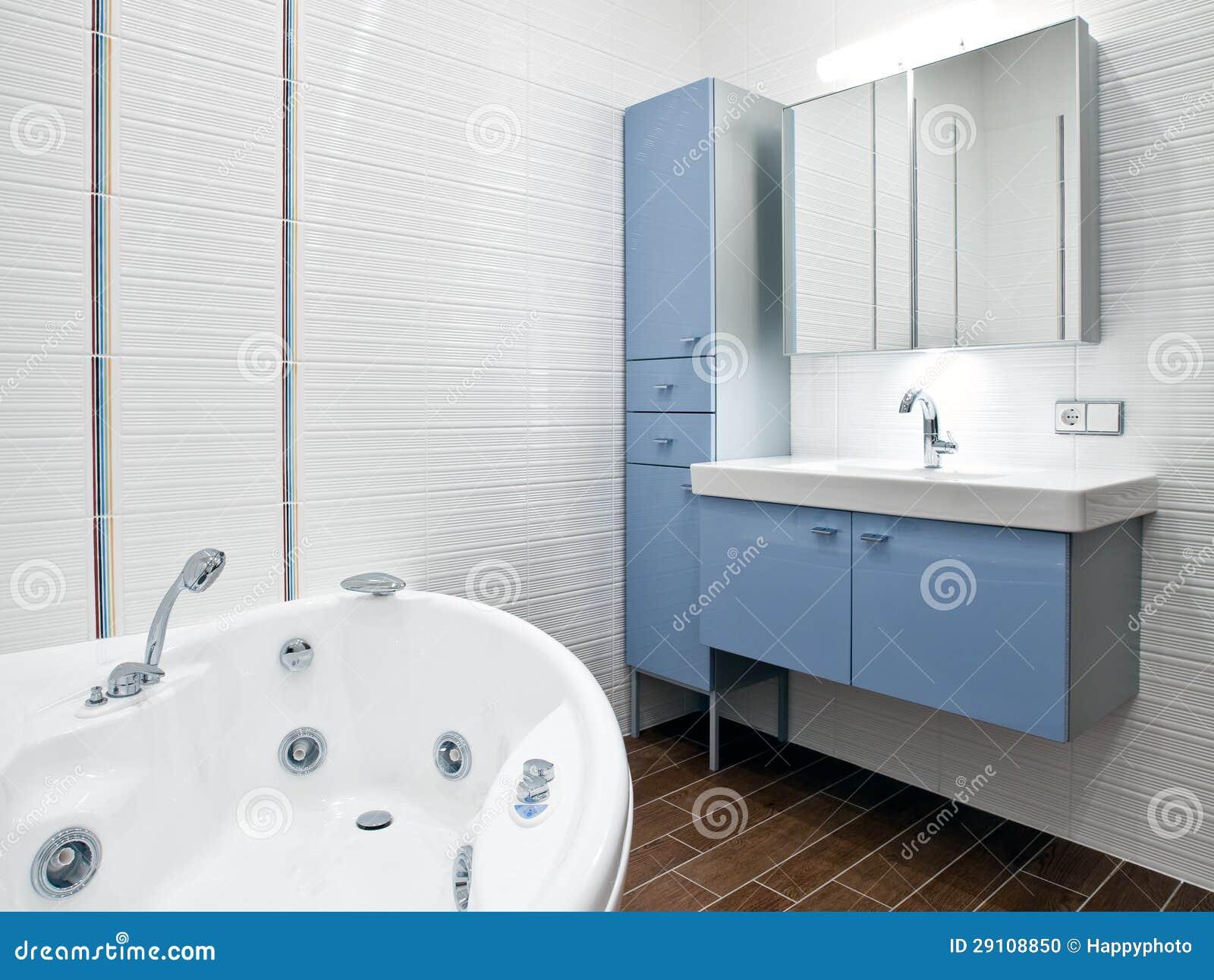 Ny modern badrum arkivfoto   bild: 29108850