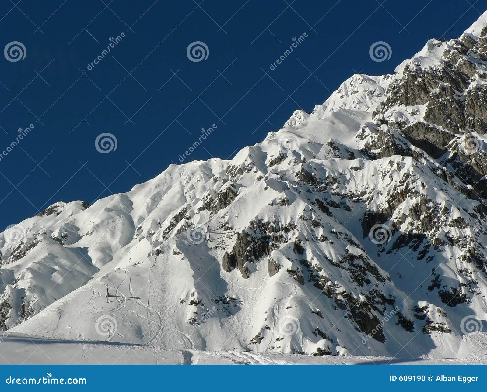Ny skitrackssnow