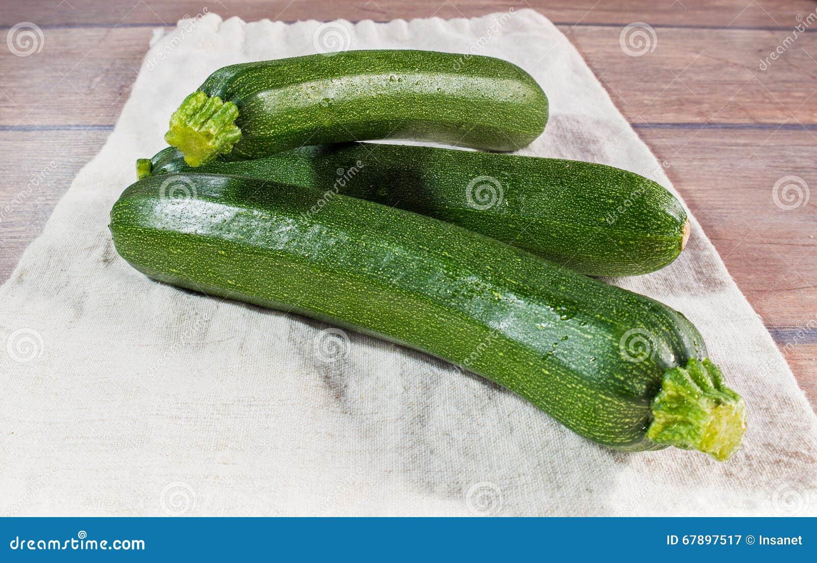Ny ung zucchini