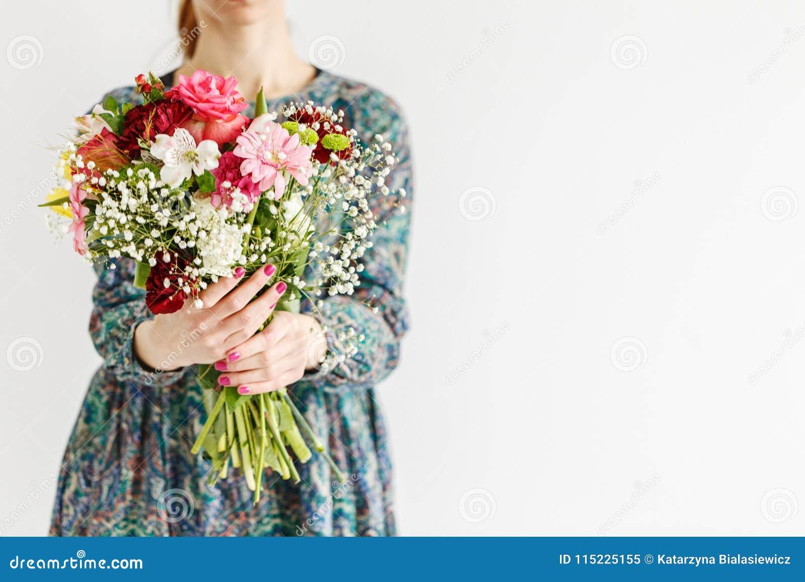 Nya blommor för dag för moder` s