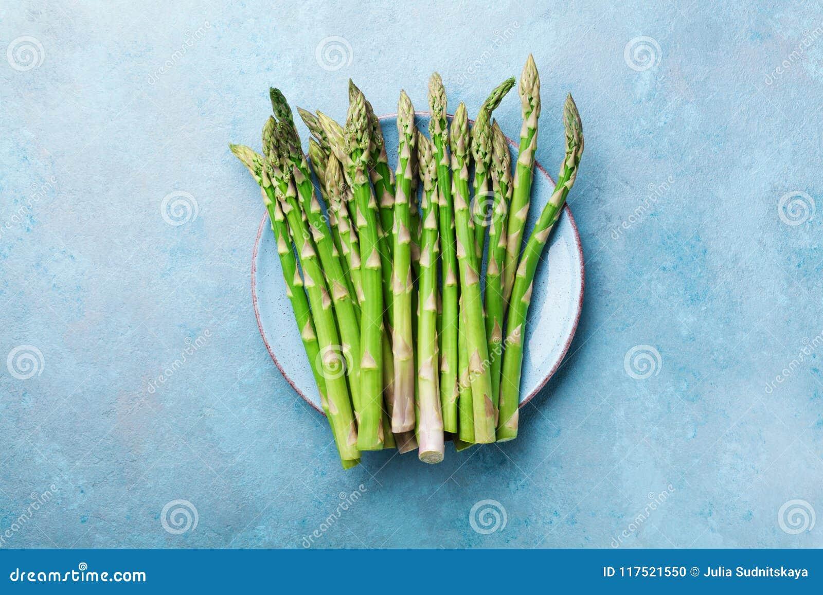 Nya gröna sparriers i blått bowlar bästa sikt Sunt och banta organisk mat