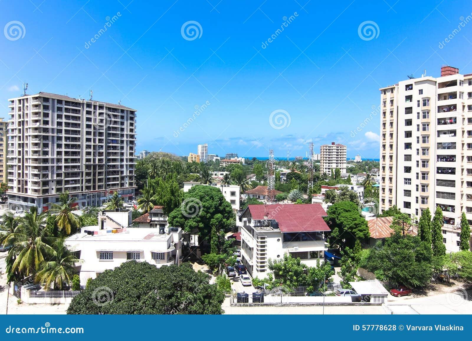 Nya moderna byggnader i Dar-es-Salaam, Afrika område moscow en panorama- sikt