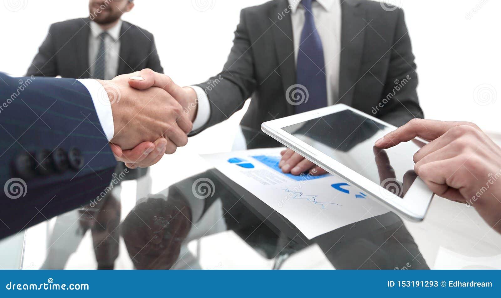 Nya tekniker och aff?rspartnerskap