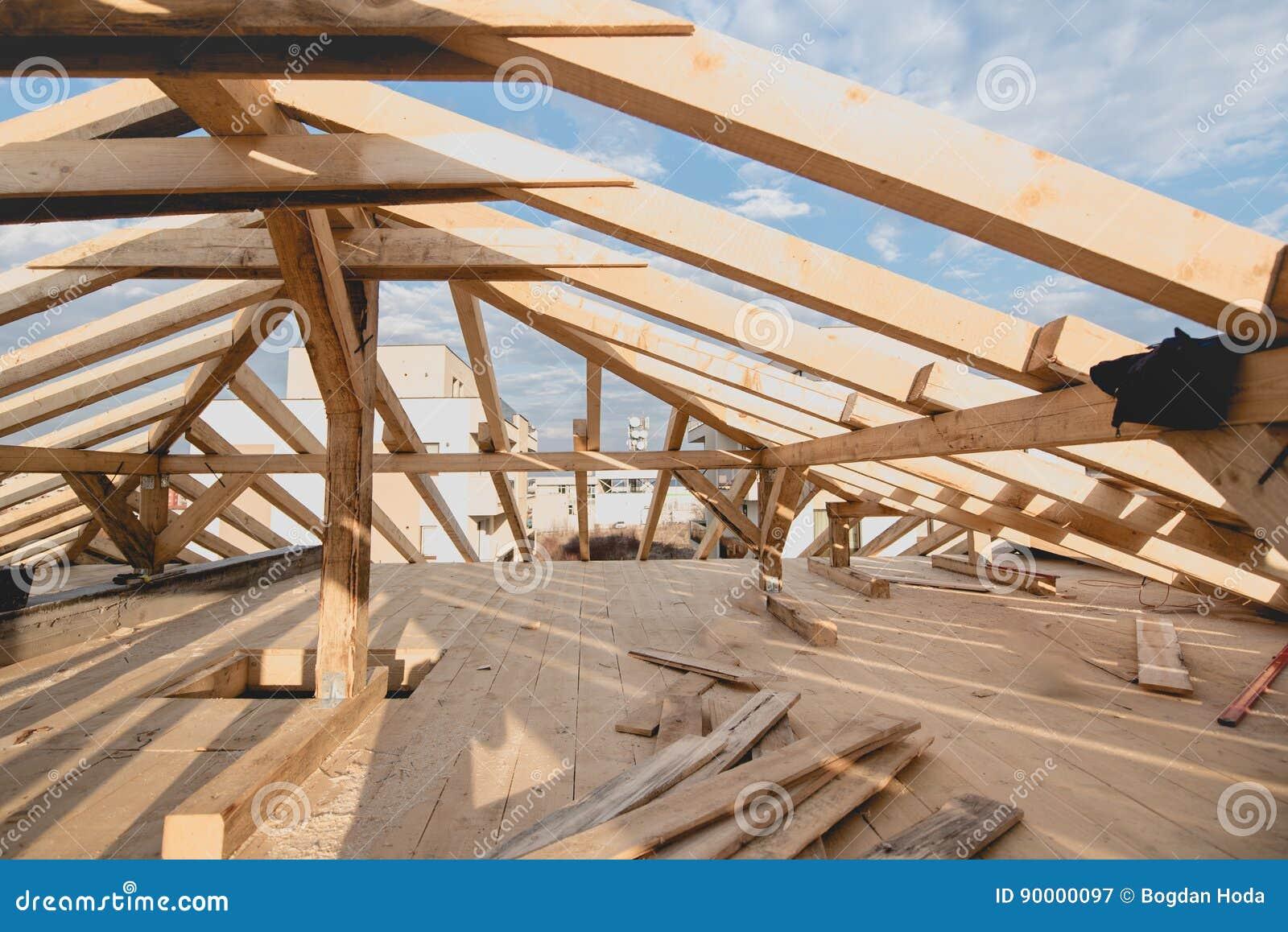 Nybyggnaddetaljer - inrama installera taket förstärka systemet