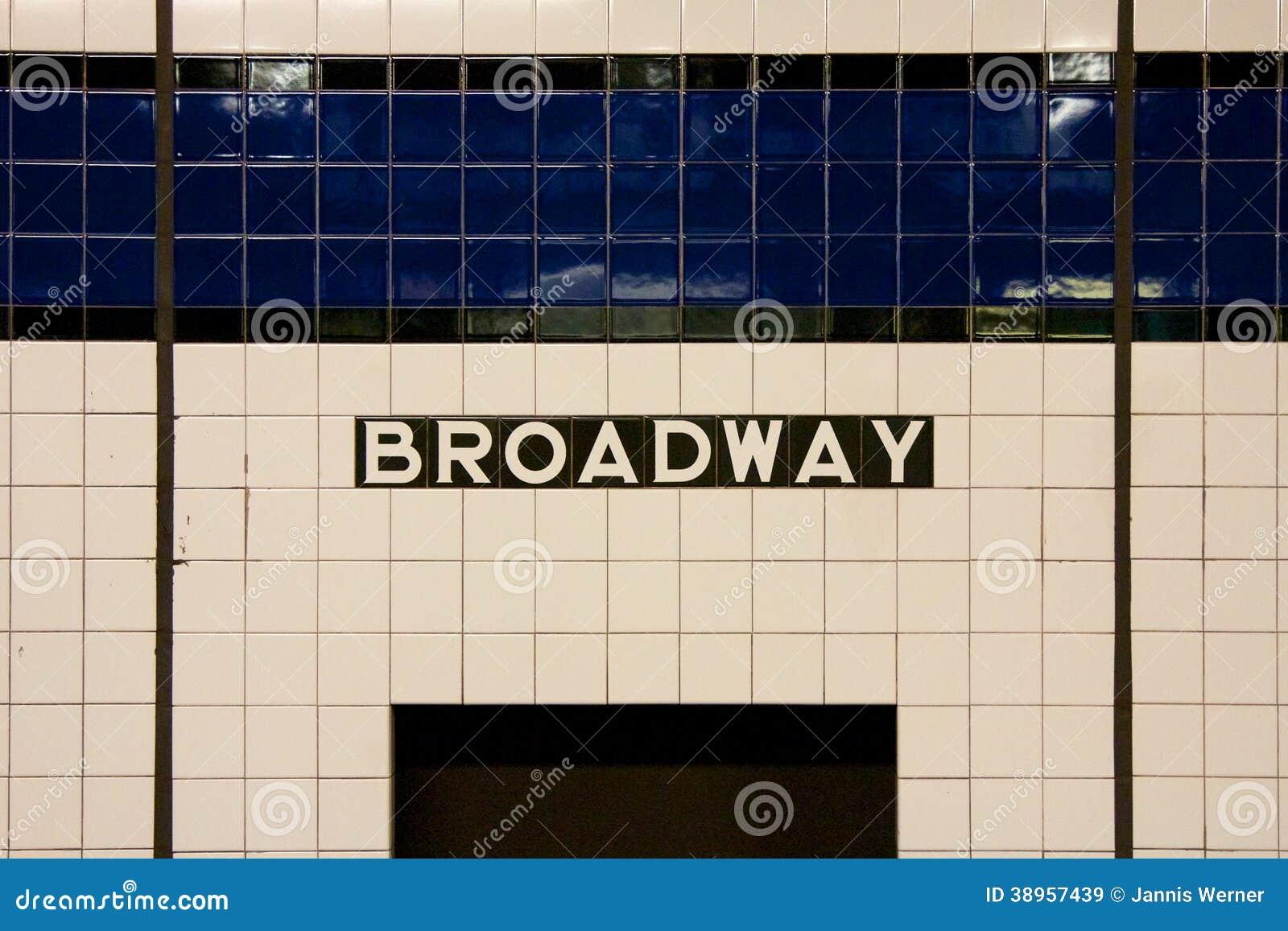 NYC Broadway metra znak