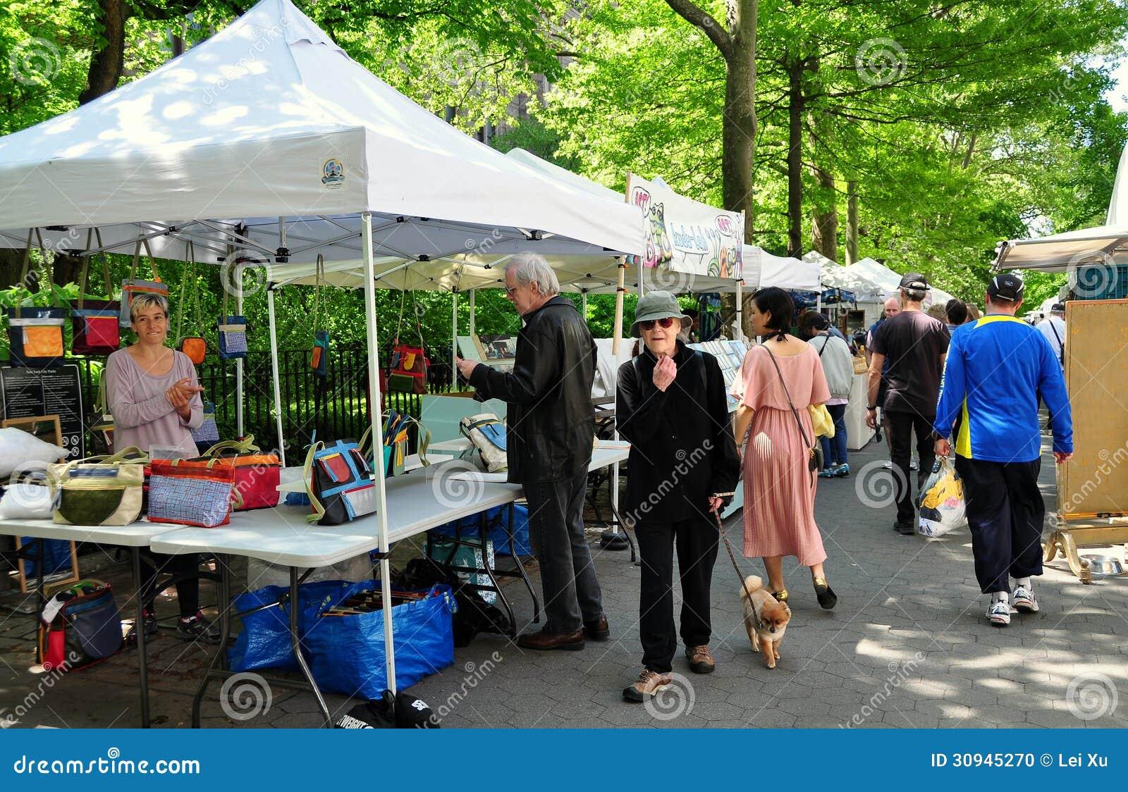 NYC Crafts on Columbus Street Fair & NYC: Crafts On Columbus Street Fair Editorial Image - Image: 30945270