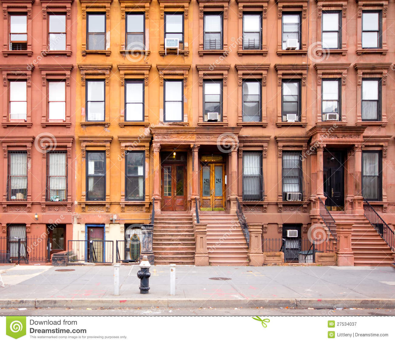 Harlem New York Apartments: NYC Harlem Brownstones Editorial Photography
