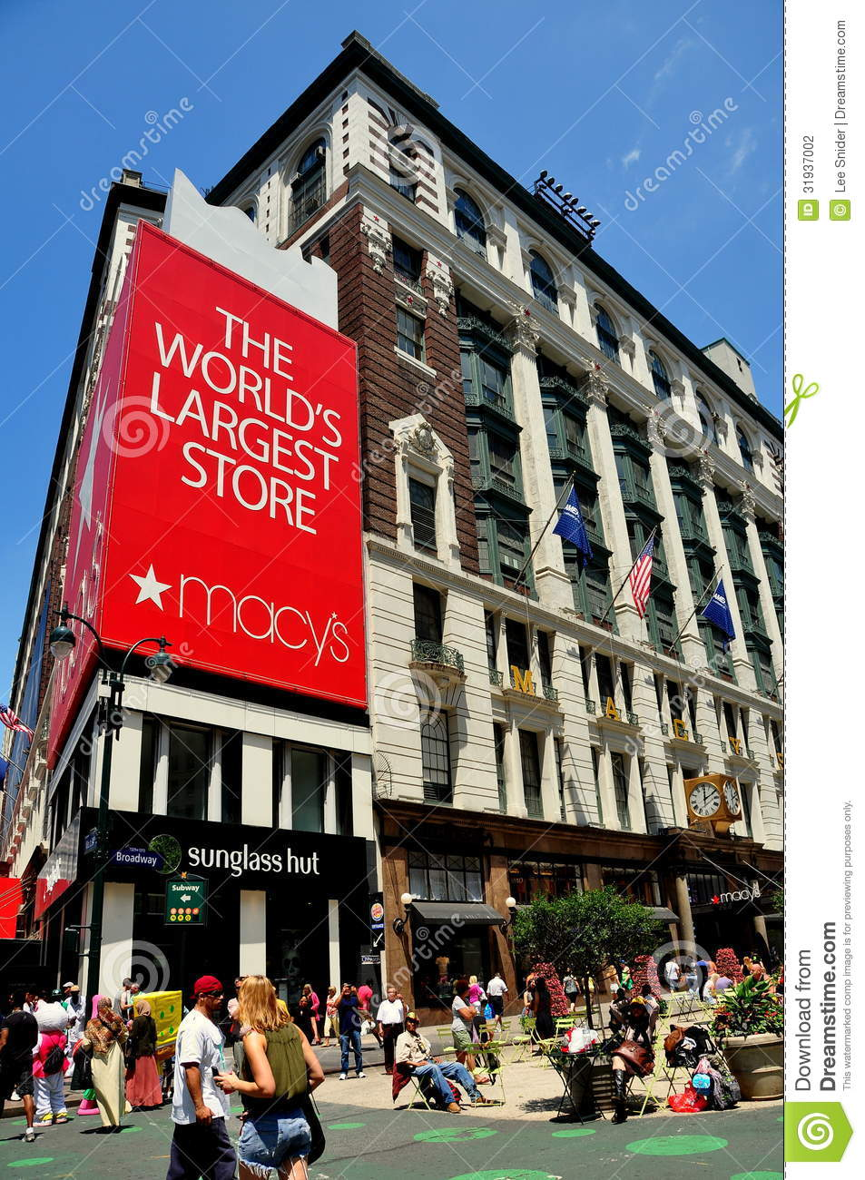 afe3f5b087 NYC  Macy s Department Store Editorial Photography - Image of ...