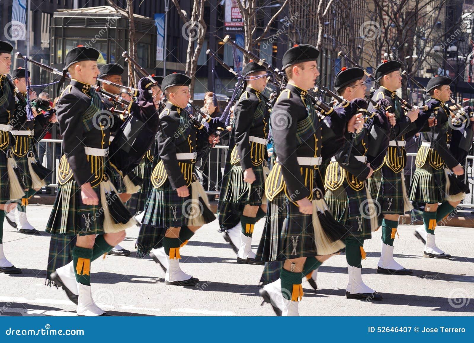 2015 NYC Parade 13 van de Geruit Schots wollen stofdag