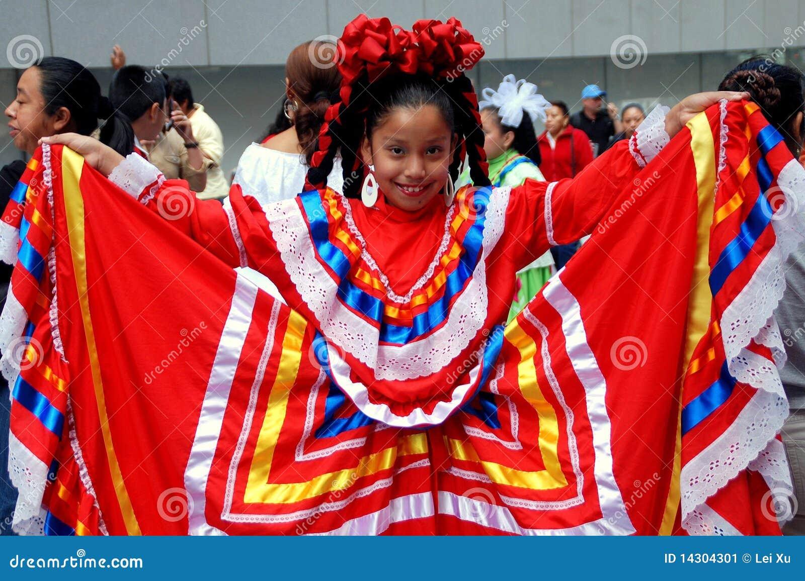 NYC : Petite fille au défilé mexicain