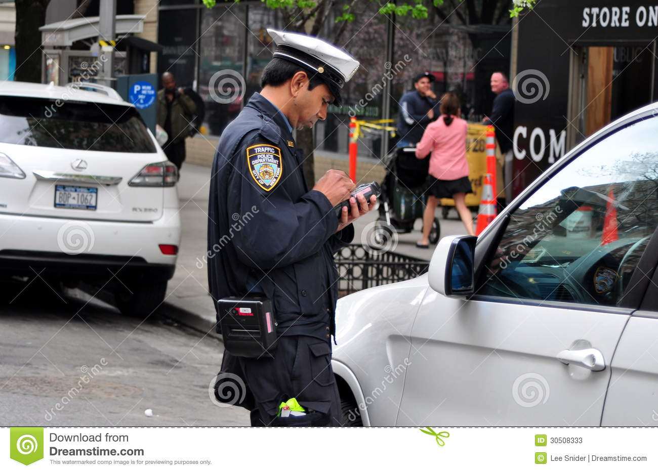 nyc policeman giving parking ticket editorial stock photo image 30508333. Black Bedroom Furniture Sets. Home Design Ideas