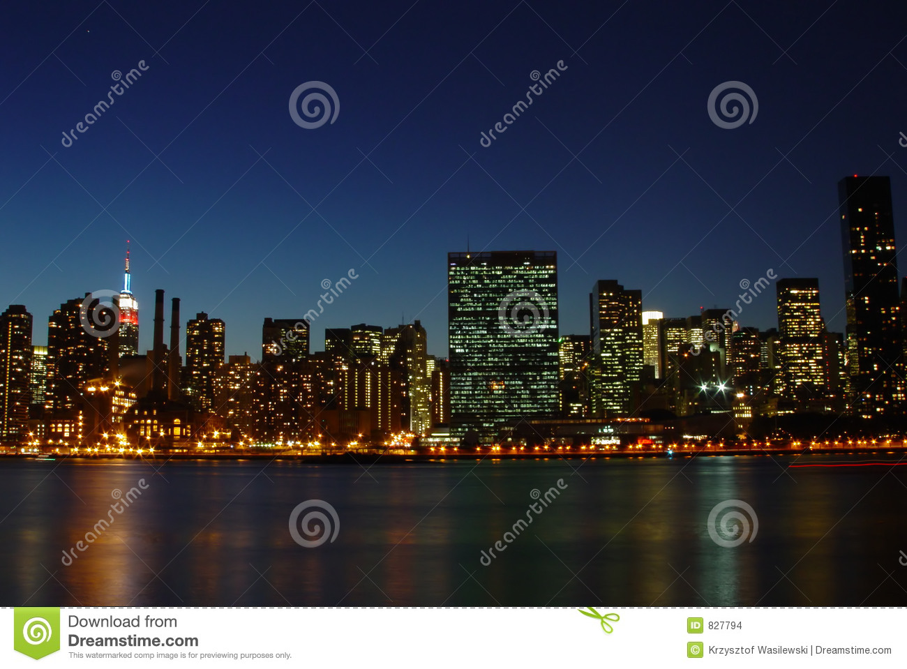Nyc skyline at dusk