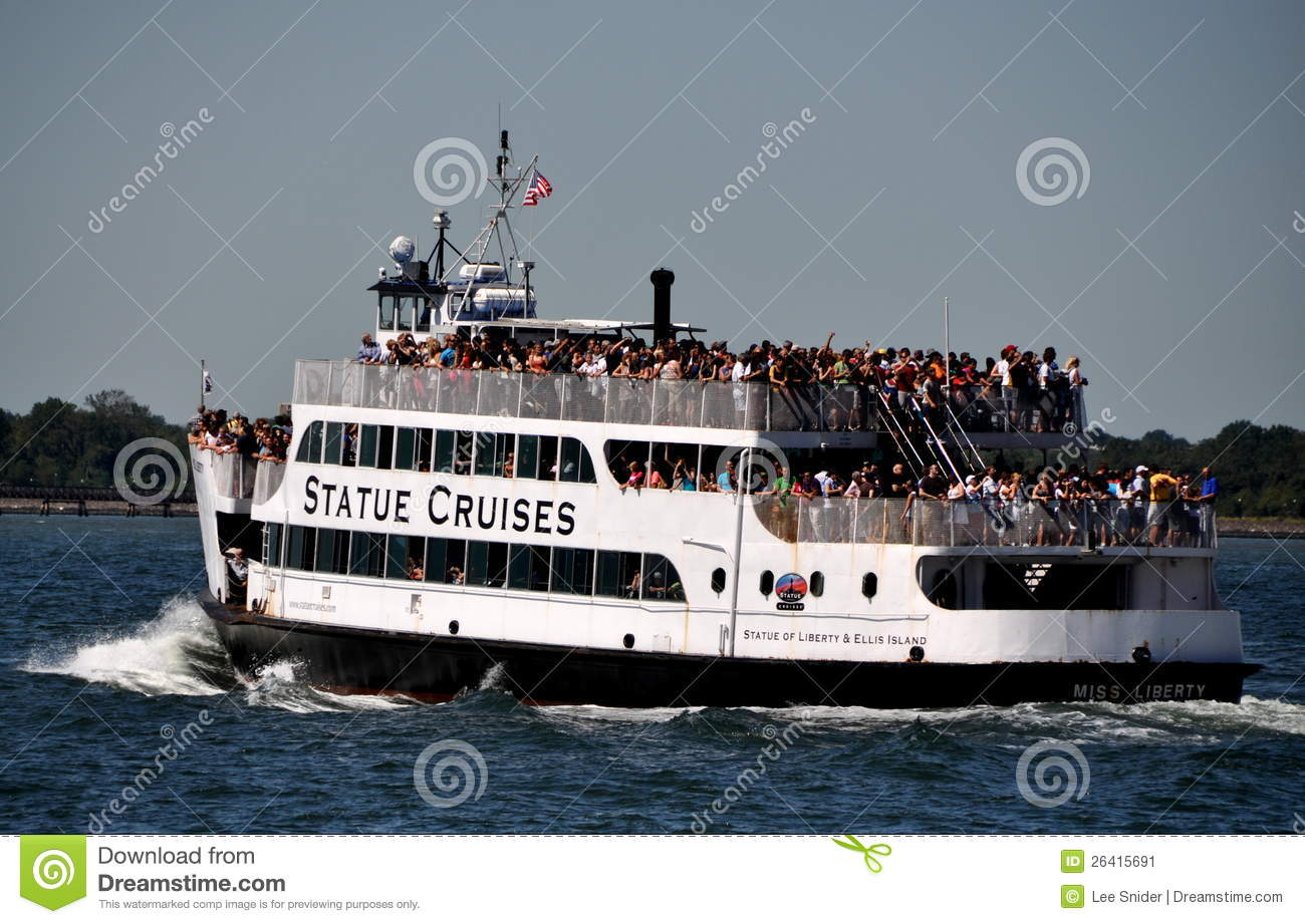 nyc: statue of liberty ferry boat editorial photo - image of river
