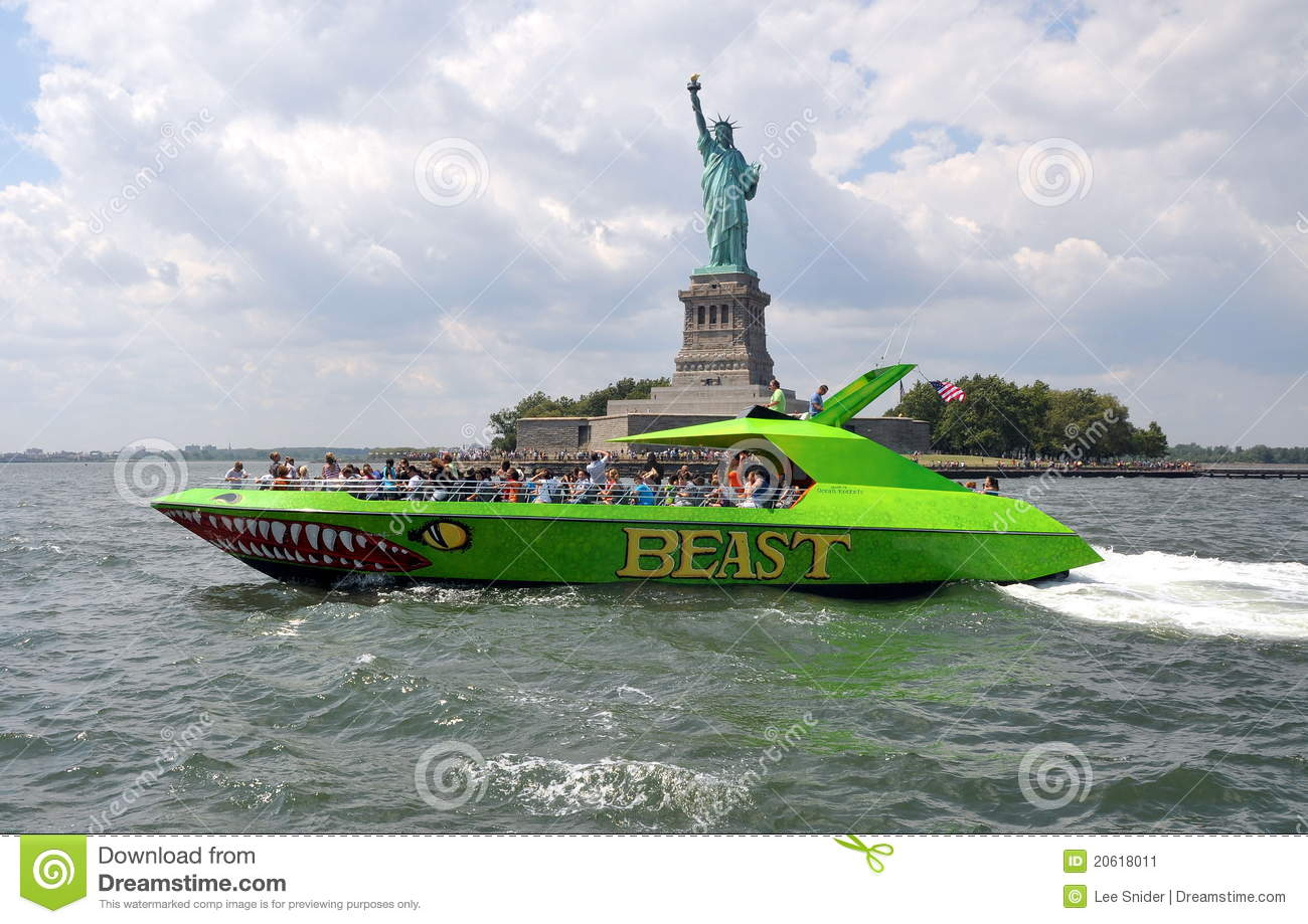 NYC: Statue of Liberty and Tour Boat