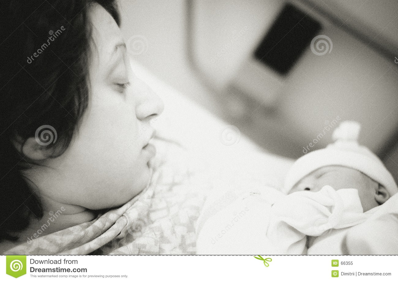Nyfödd moder