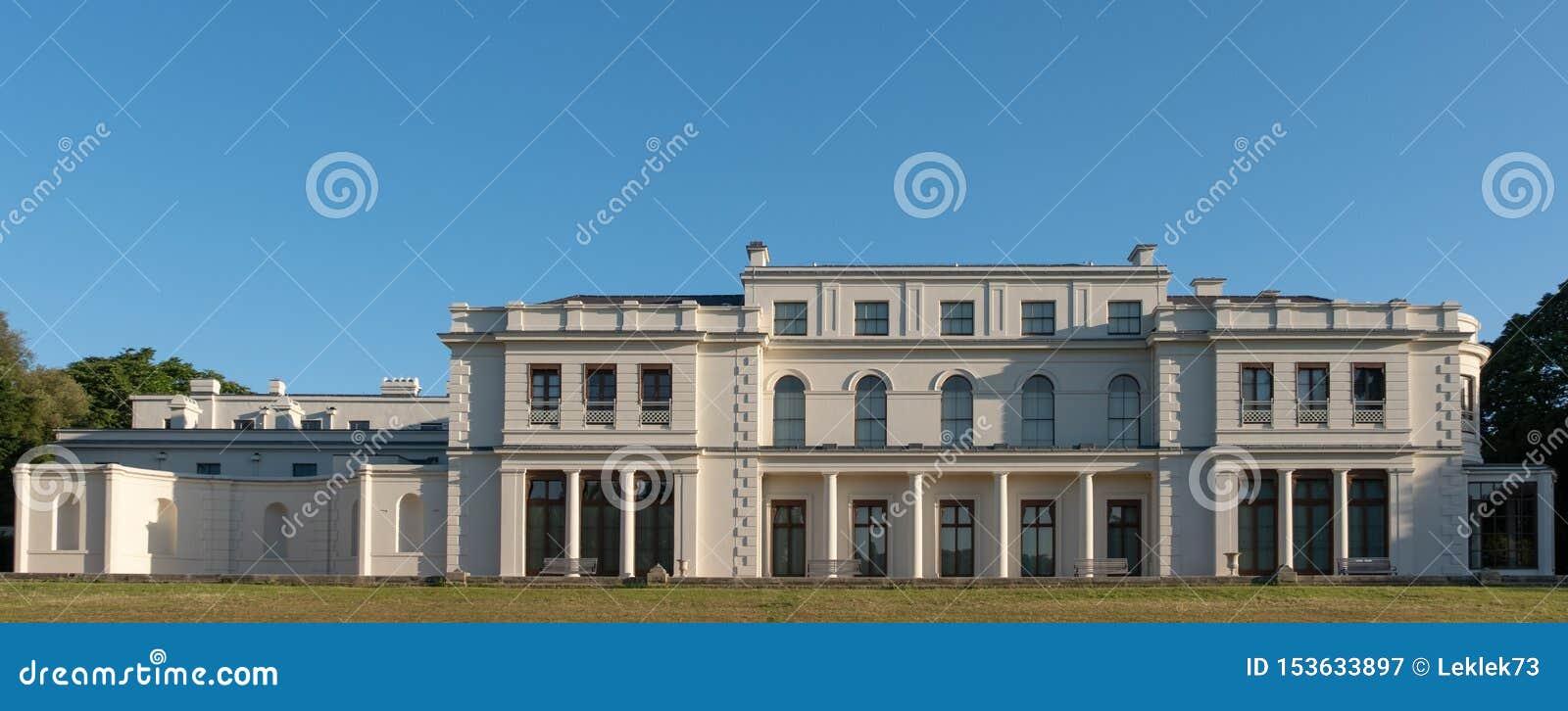 Nyligen renoverade Gunnersbury parkerar och museet på det Gunnersbury godset som ägas en gång av den Rothschild familjen, London
