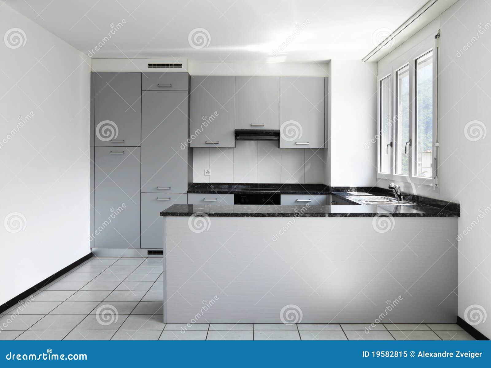 Nytt tomt kök för lägenhet royaltyfri foto   bild: 19582815