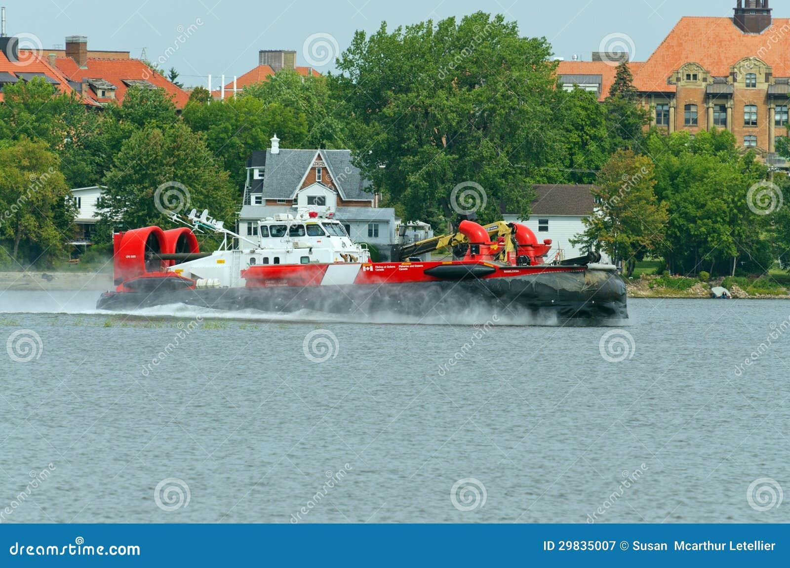 Aerodeslizador canadense da guarda costeira