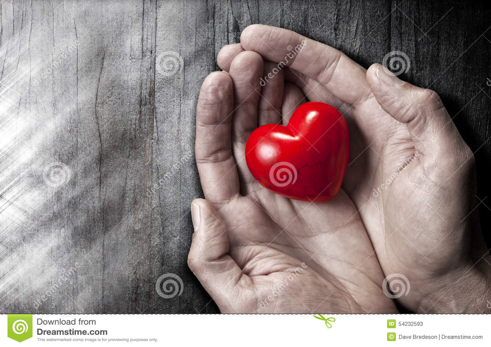 O amor entrega o fundo do coração