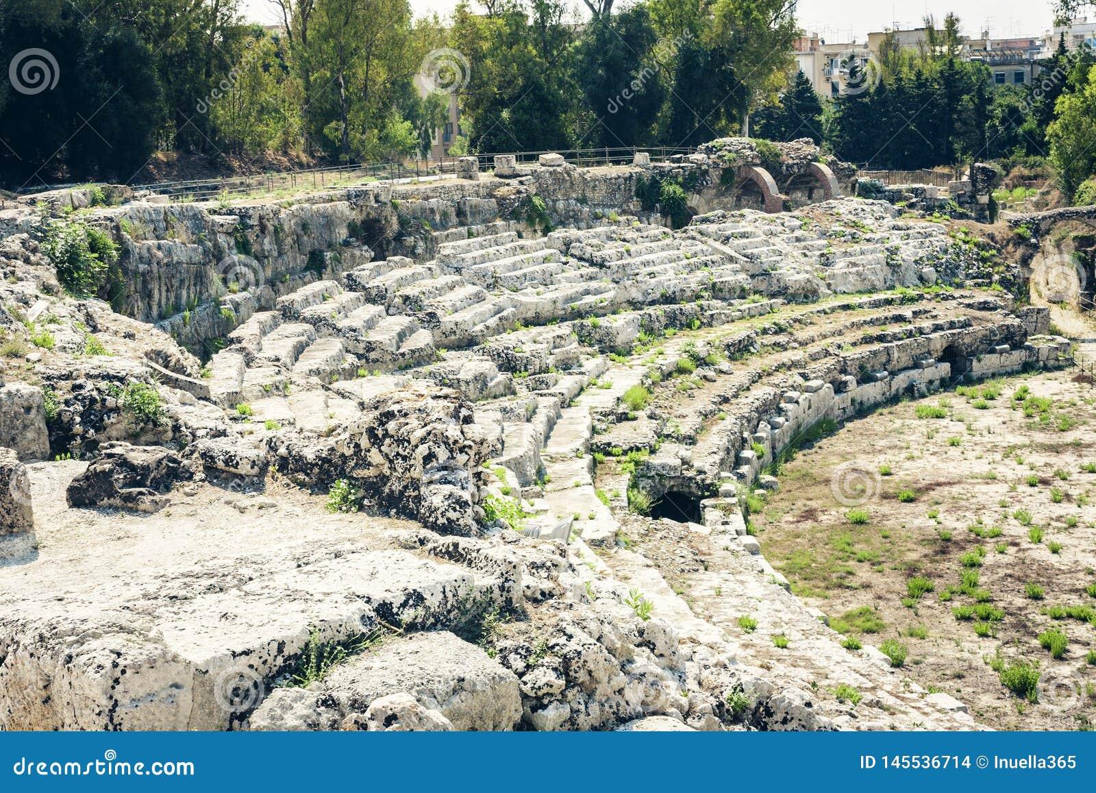O anfiteatro romano ru?nas do ?? de Siracusa Siracusa ?no parque arqueol?gico, Sic?lia, It?lia