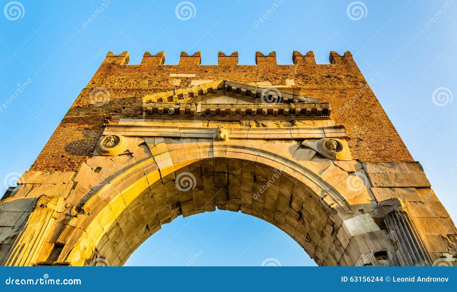 O arco de Augustus em Rimini