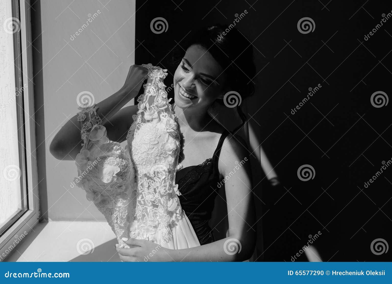 O assento da noiva guarda o vestido de casamento
