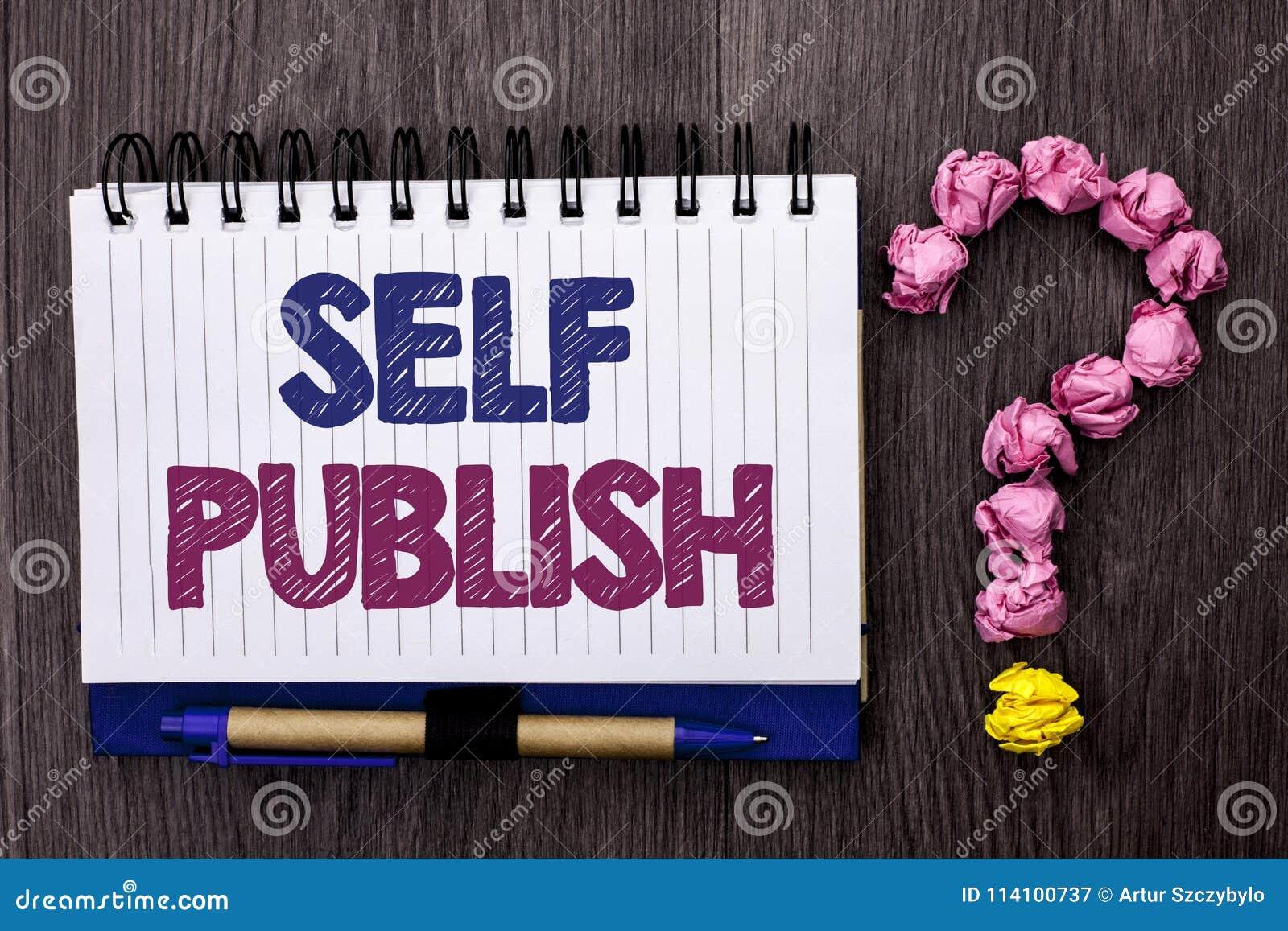 O auto do texto da escrita publica A publicação do significado do conceito escreve os fatos do artigo do manuscrito do jornalismo