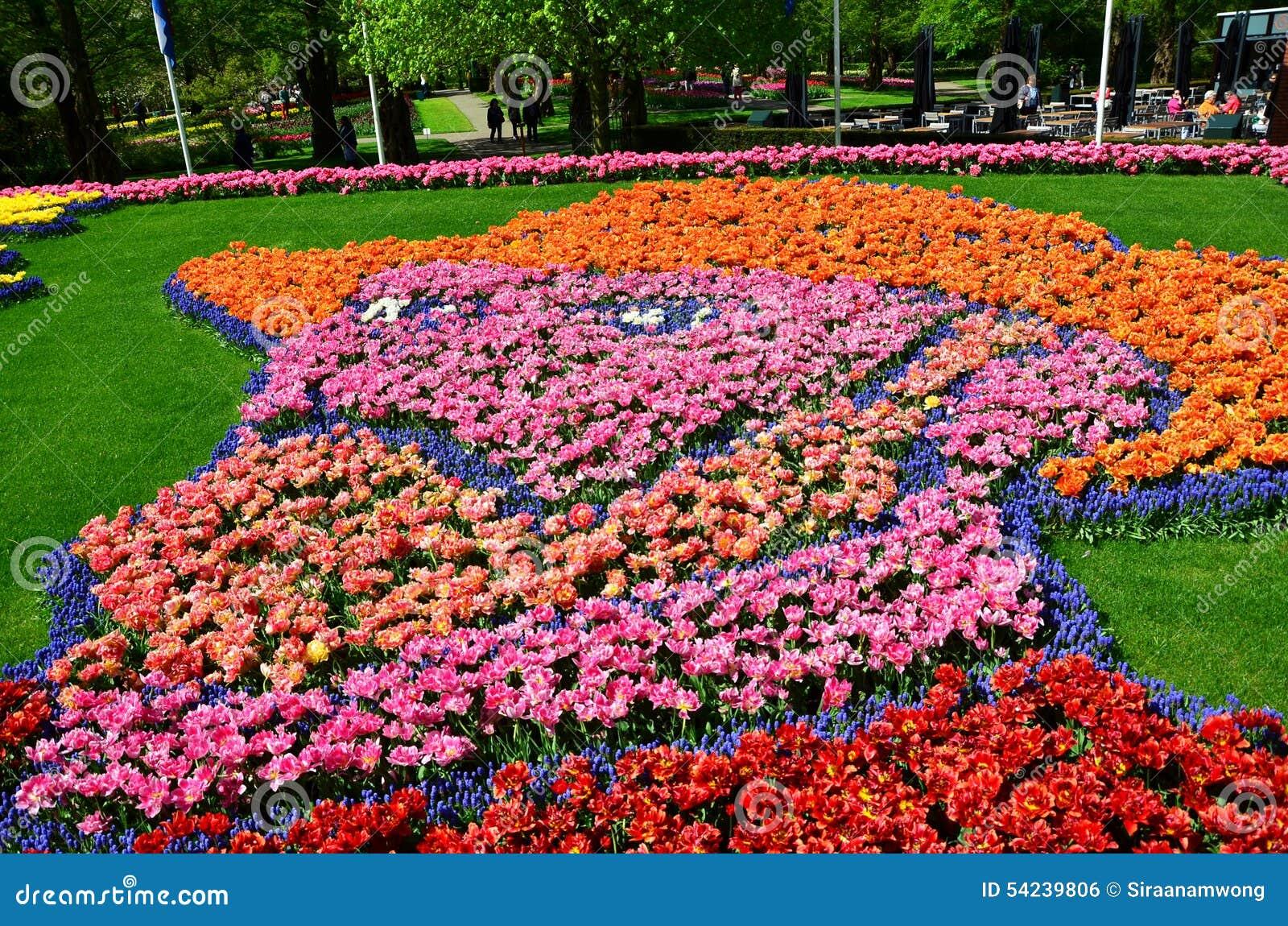 O autorretrato de Vincent van Gogh fez de mil tulipas e g