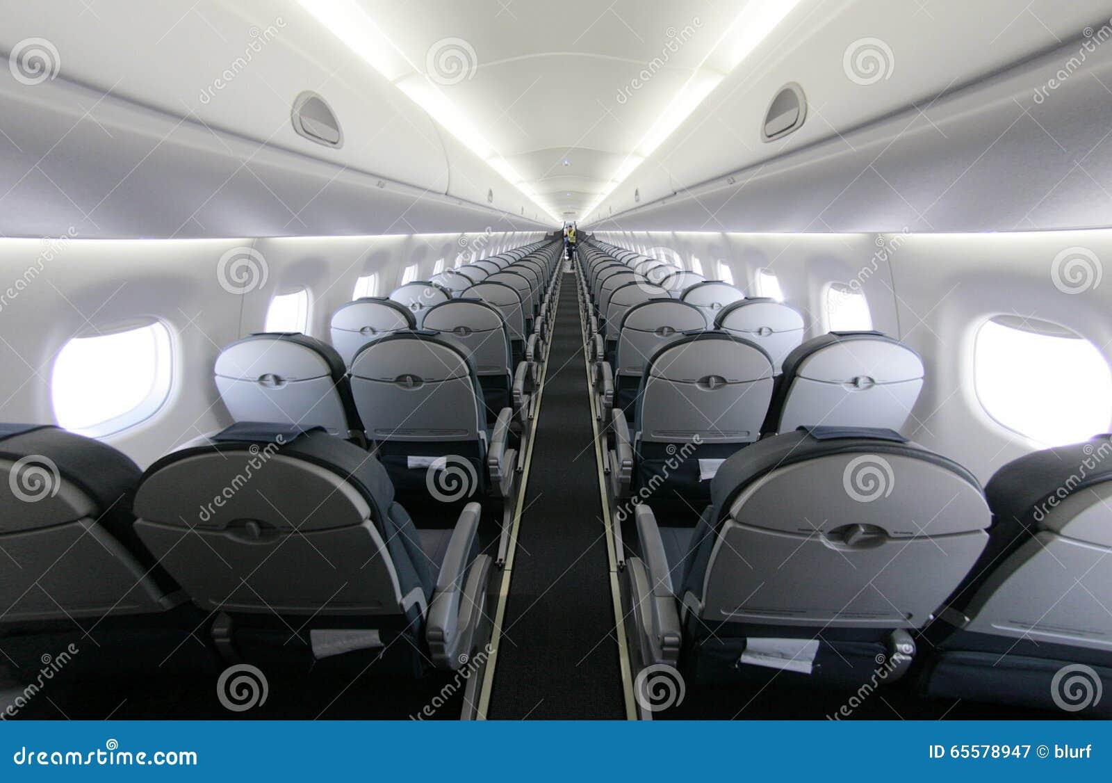 O avião de passageiros assenta as fileiras 027