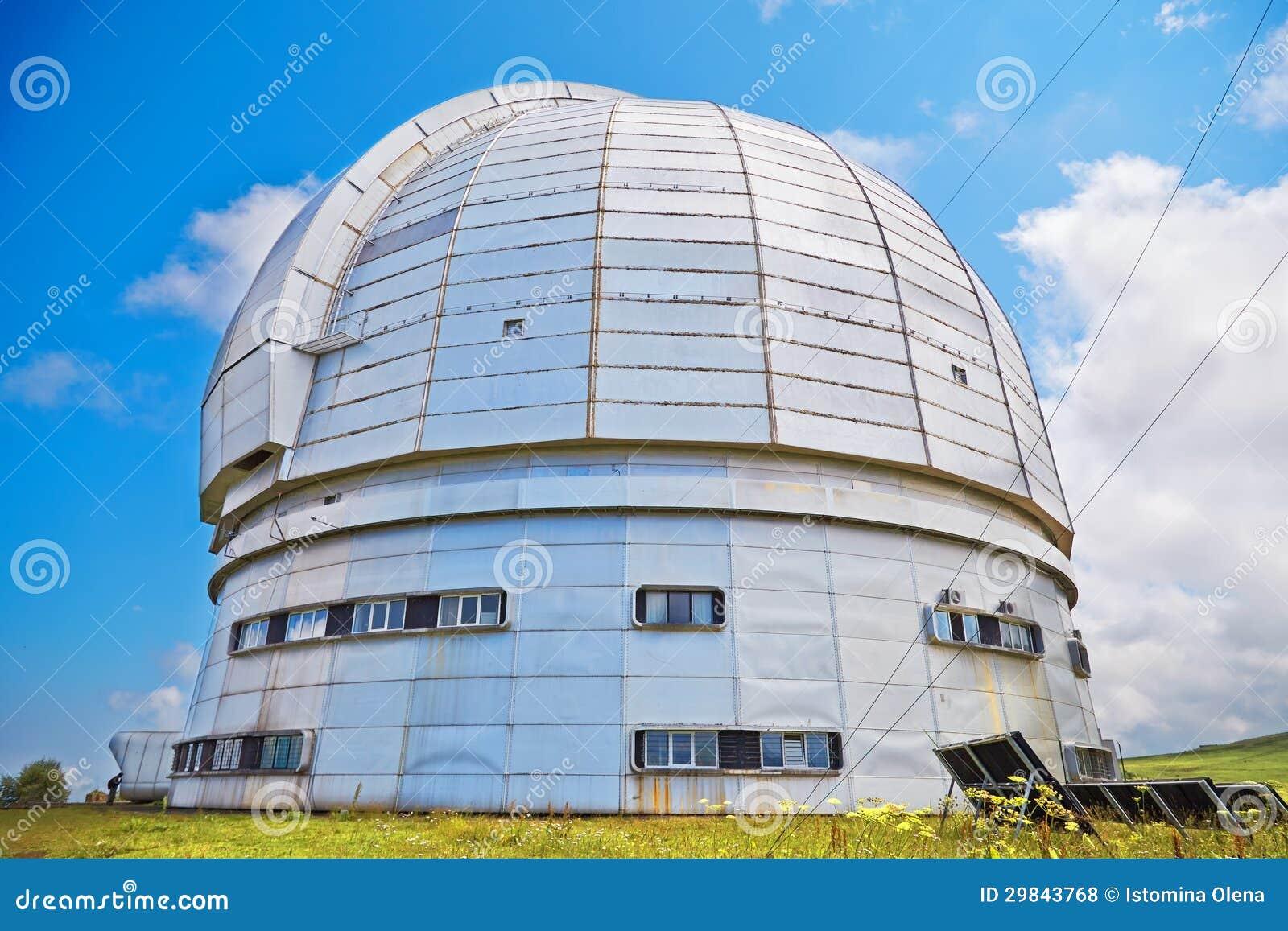 O azimute o maior do telescópio óptico de Europa.