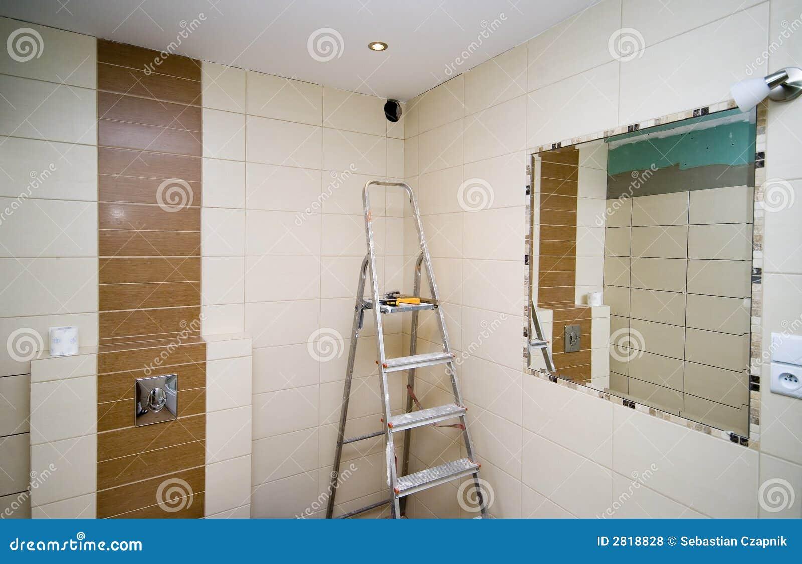 Banheiro Telha A Renovação Fotos de Stock Royalty Free Imagem  #82A328 1300 933