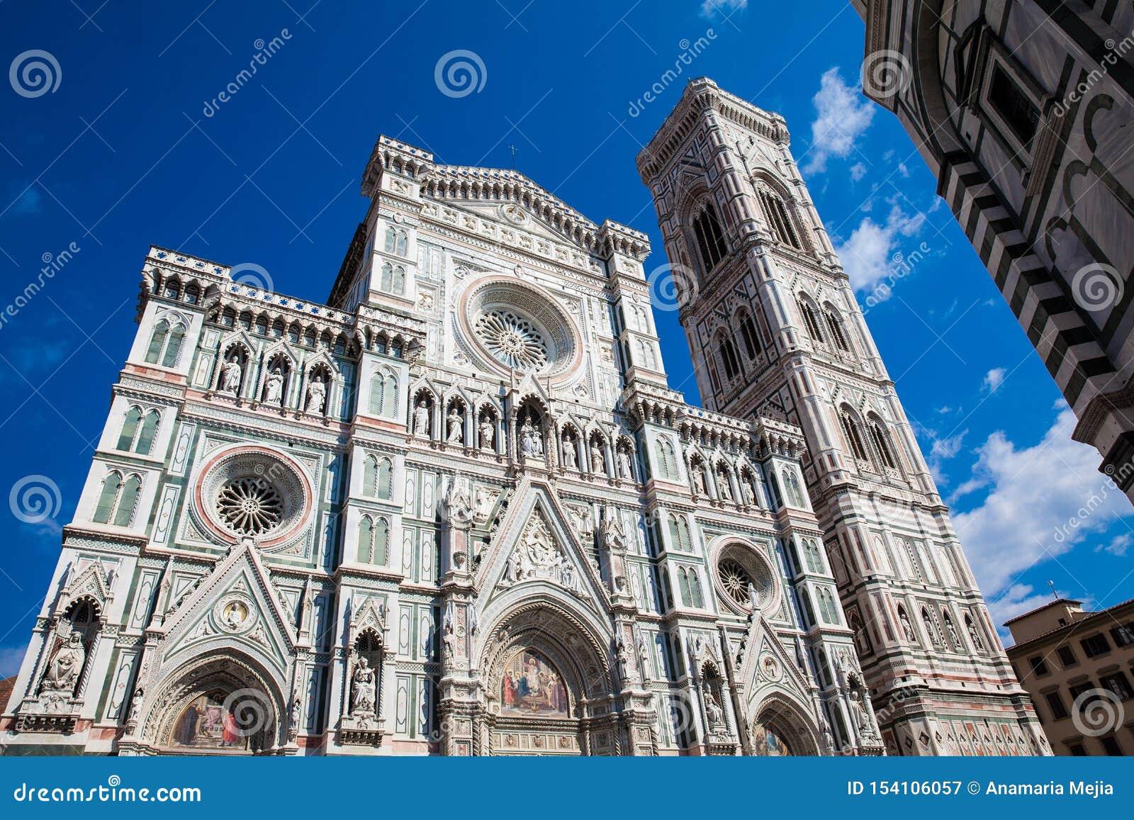 O Baptistery de St John, Campanile de Giotto e de Florence Cathedral consagrou em 1436