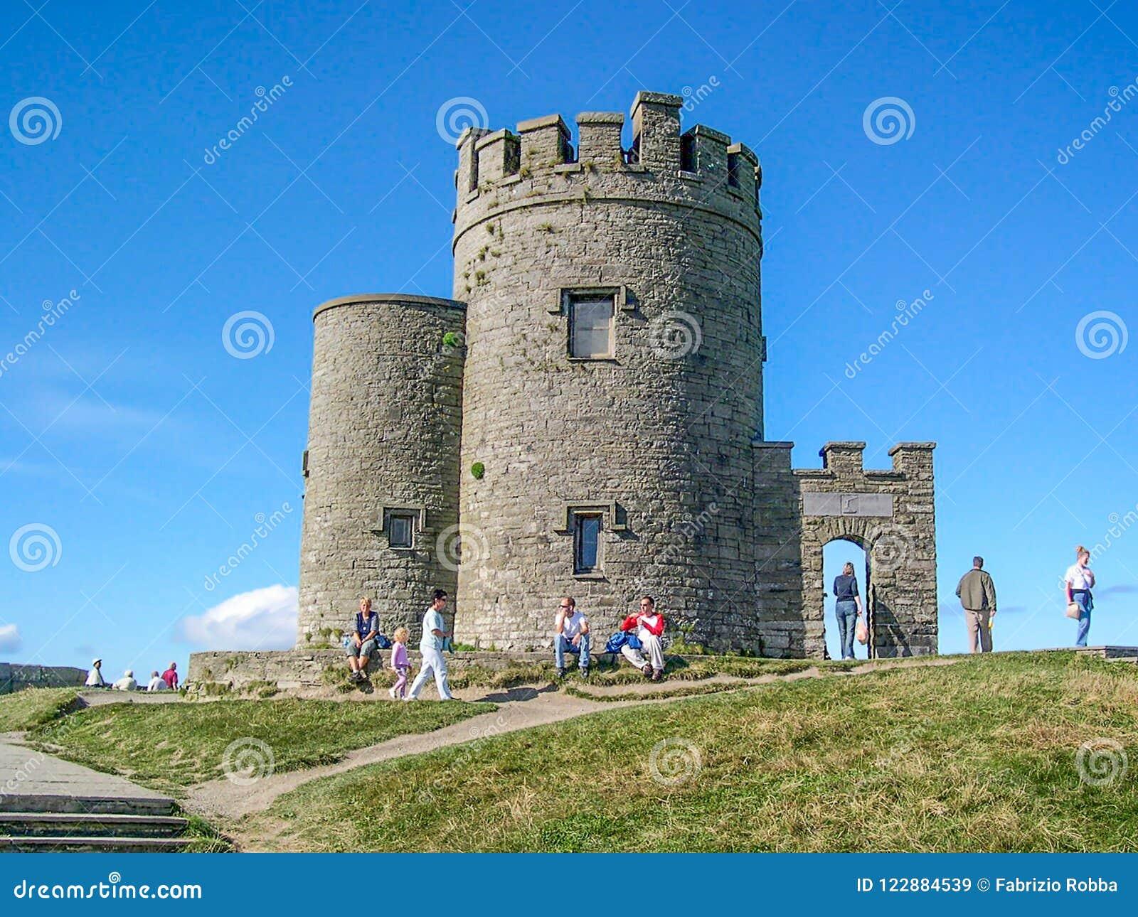 O ` Brien ` s wierza w falezach Moher, okręg administracyjny Clare, Irlandia