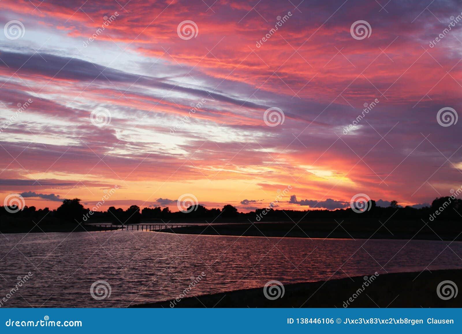 O céu é uma paleta de cores