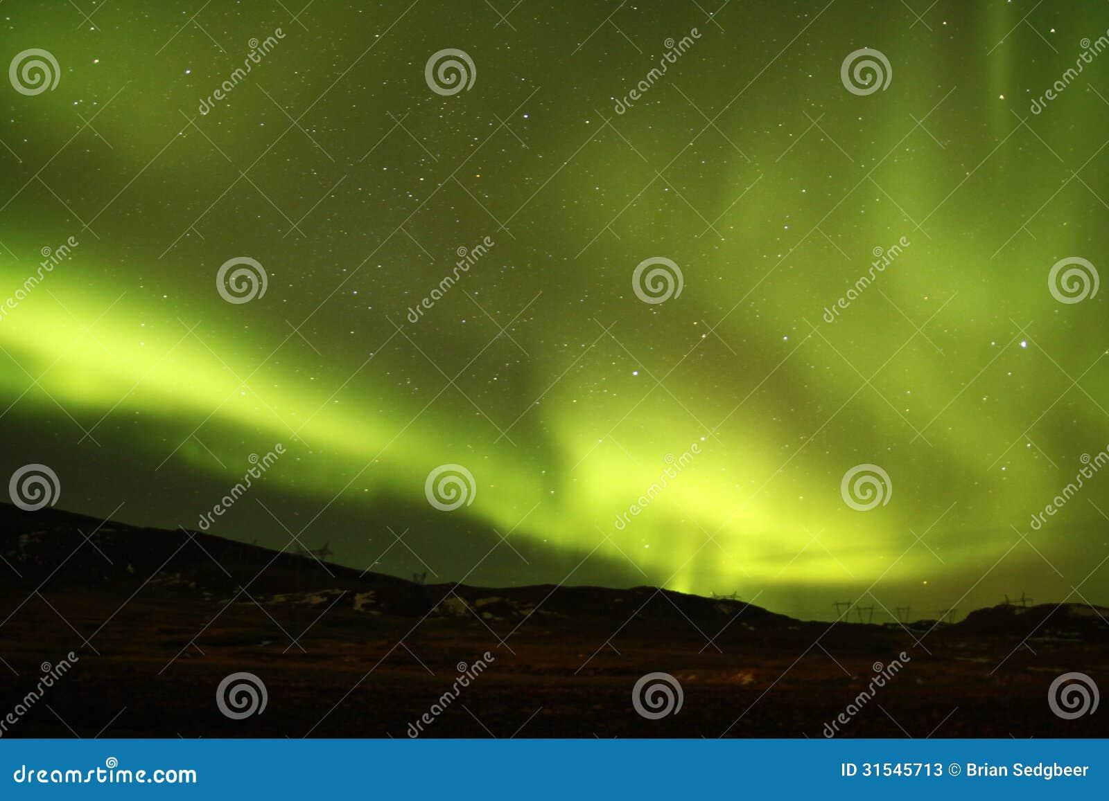 O céu noturno de Islândia
