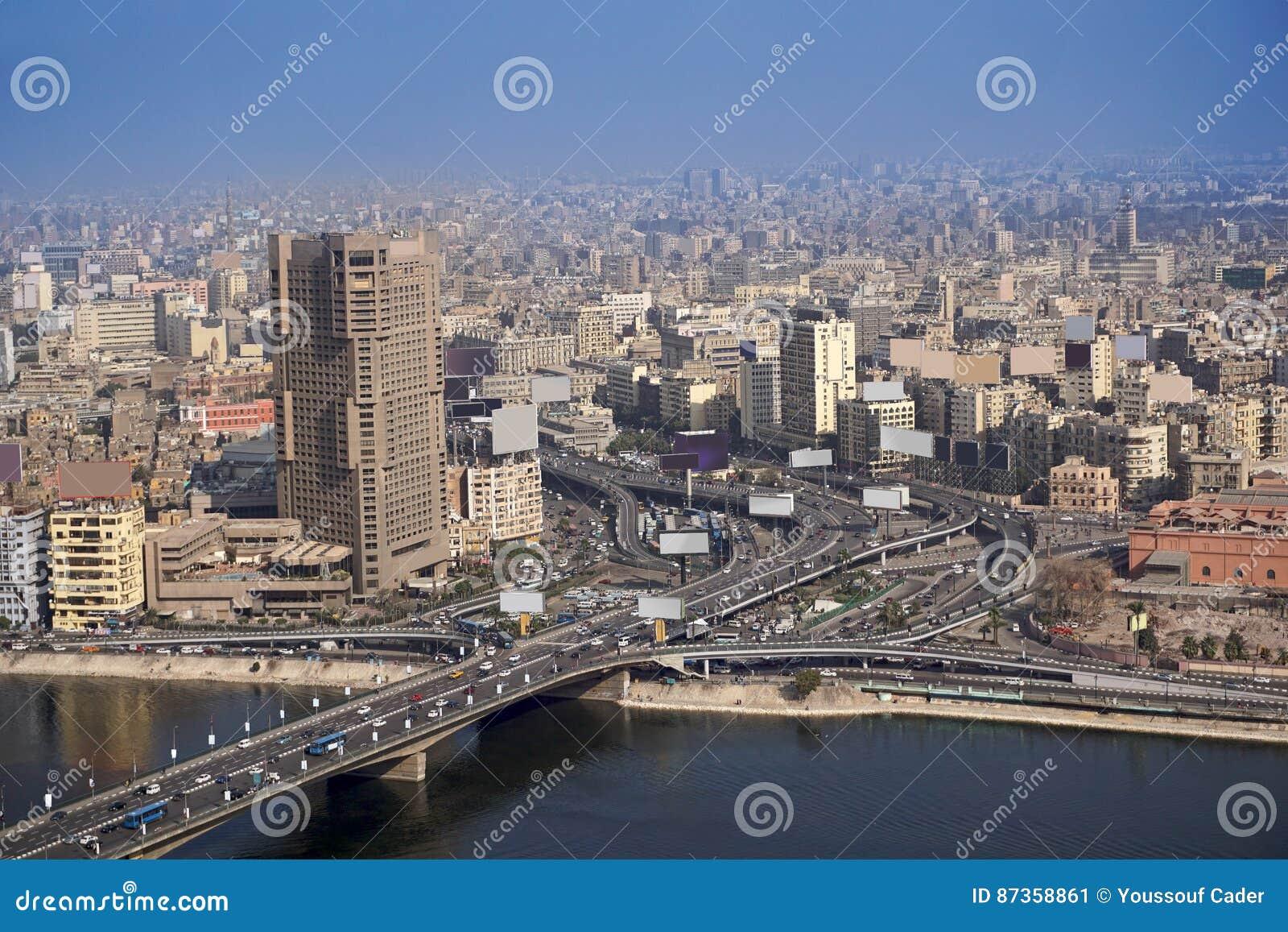 O Cairo Egito ponte aérea do 6 de outubro