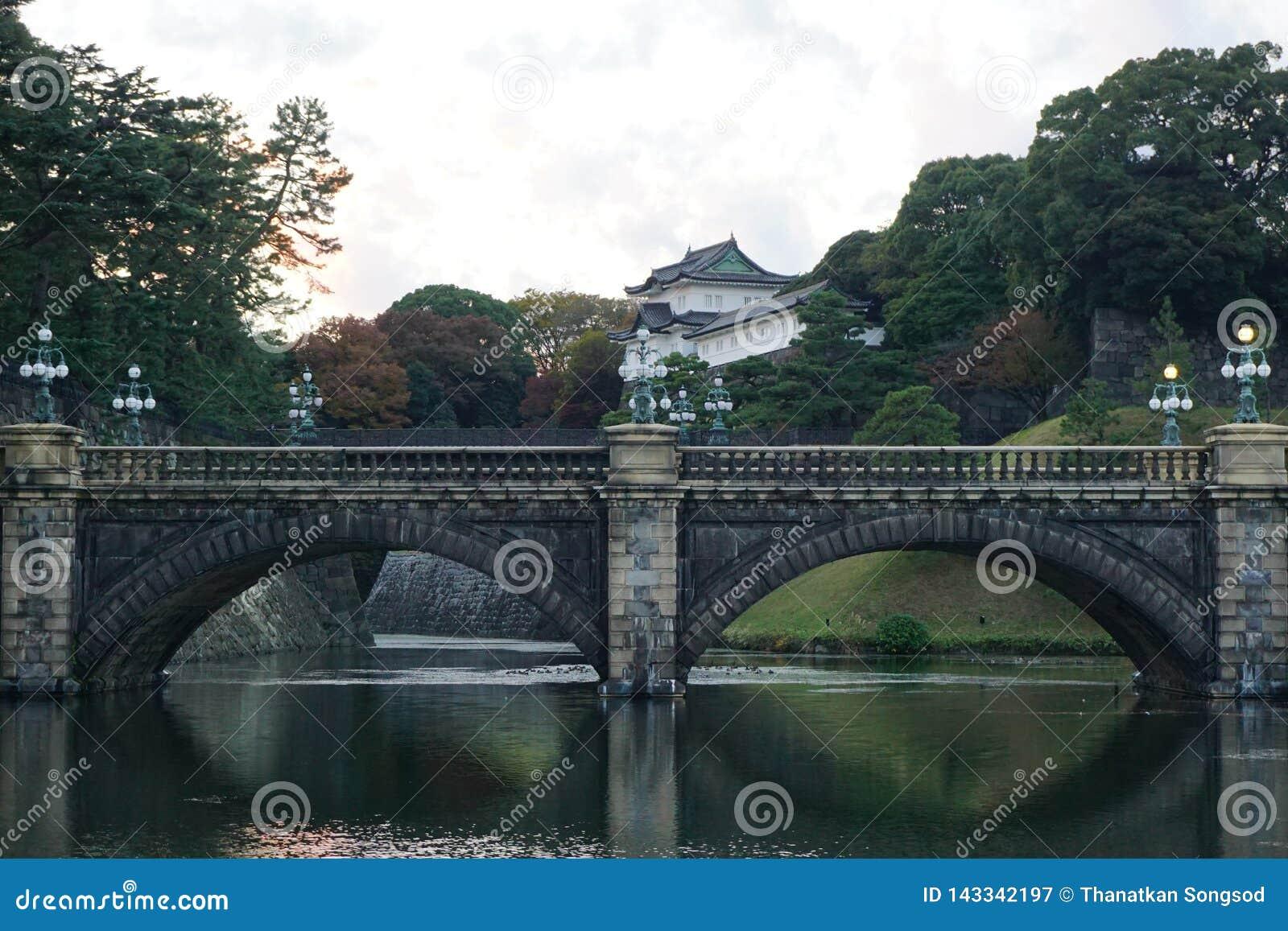 O castelo imperial do palácio do Tóquio