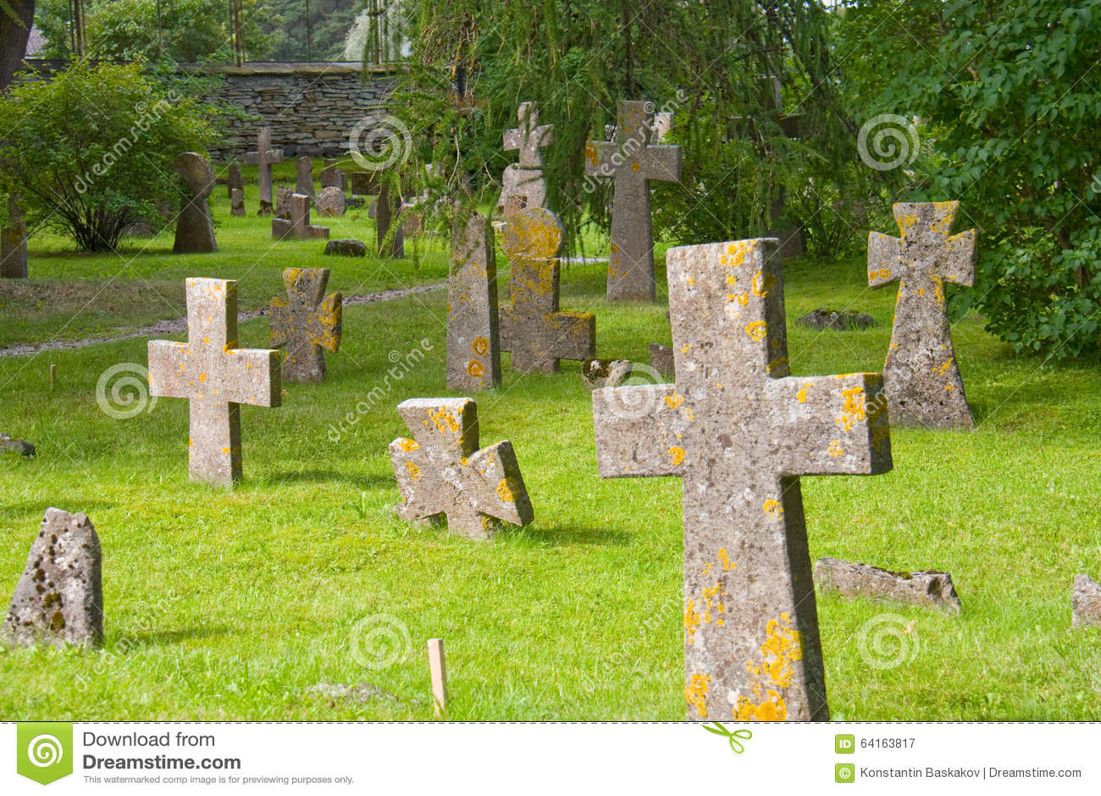 O cemitério antigo
