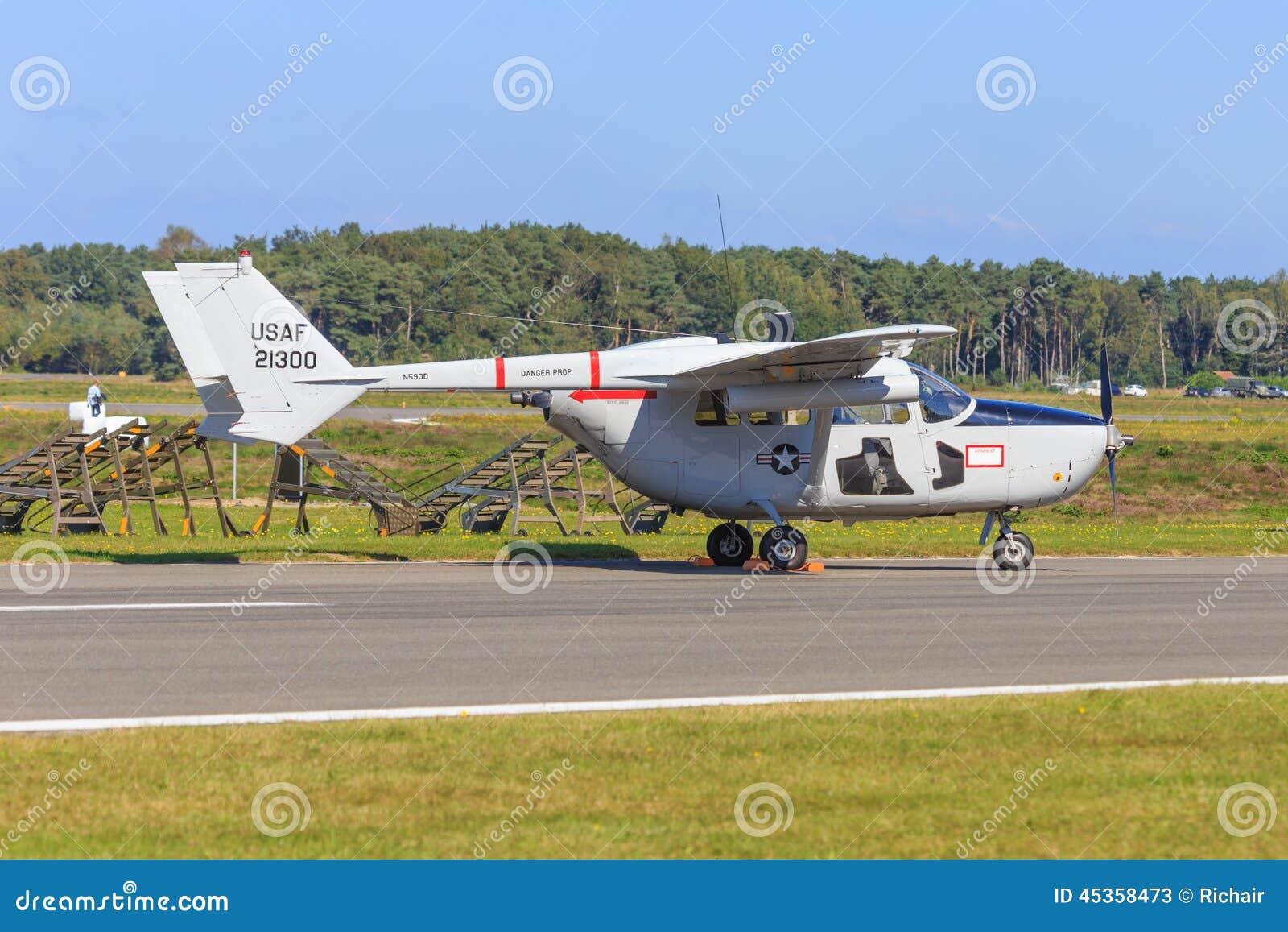 O2 classique Skymaster de Cessna