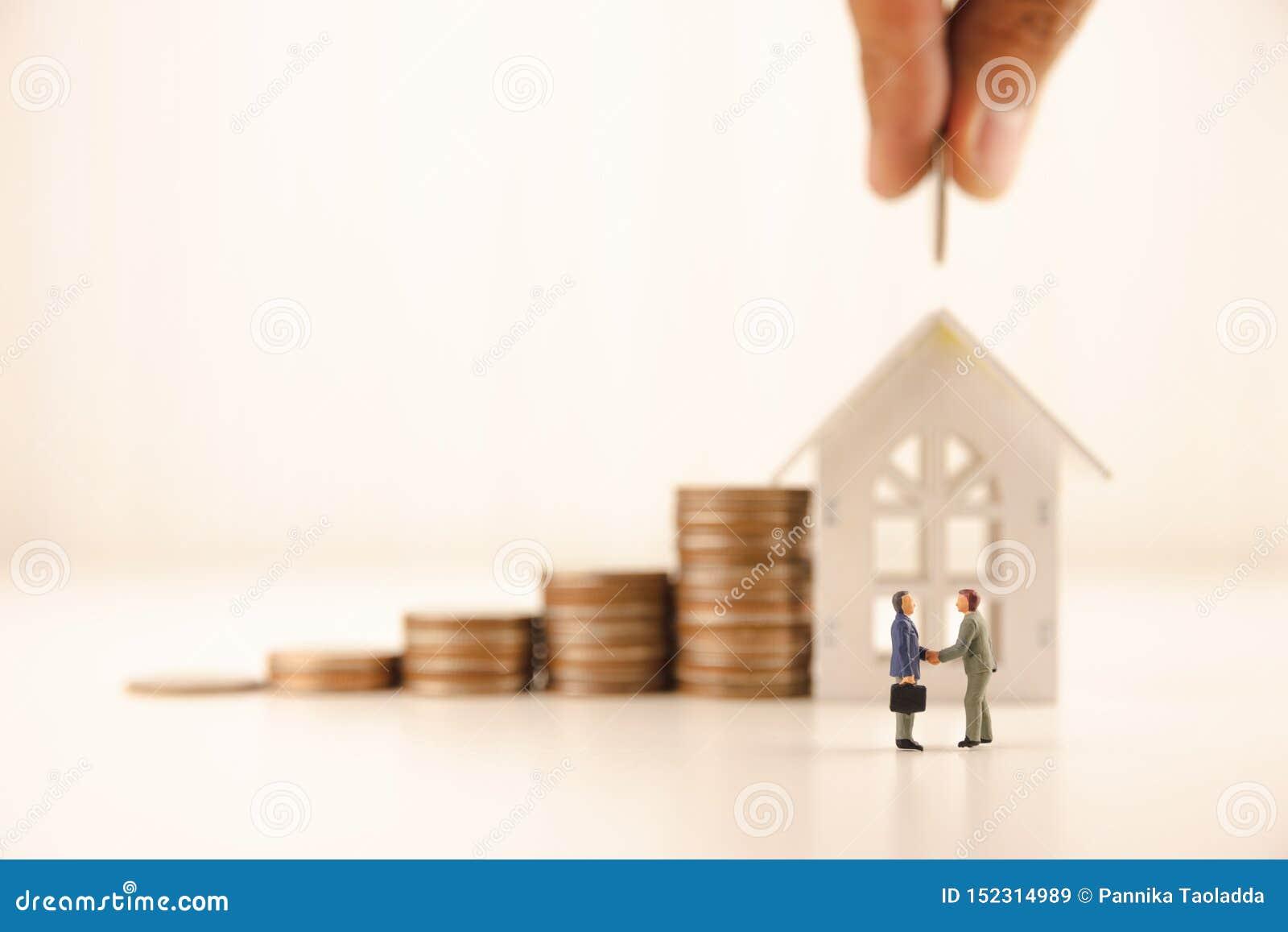 O conceito salvar o investimento empresarial financeiro do dinheiro