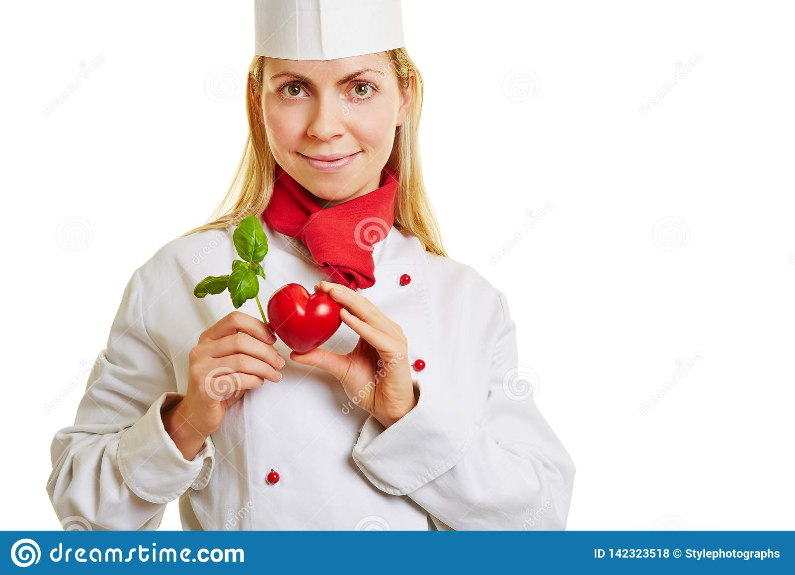 O cozinheiro novo guarda o coração e a manjericão