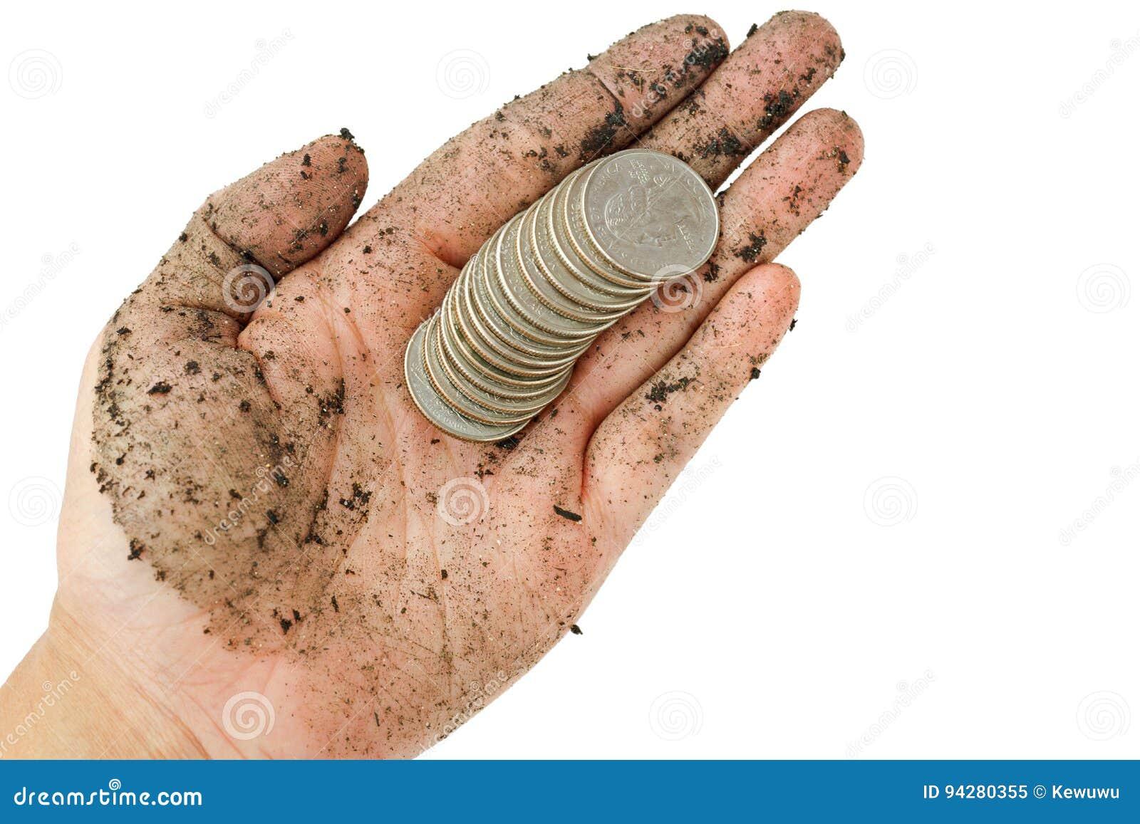 O Estados Unidos inventa, o dólar de um quarto na única mão suja w da mulher