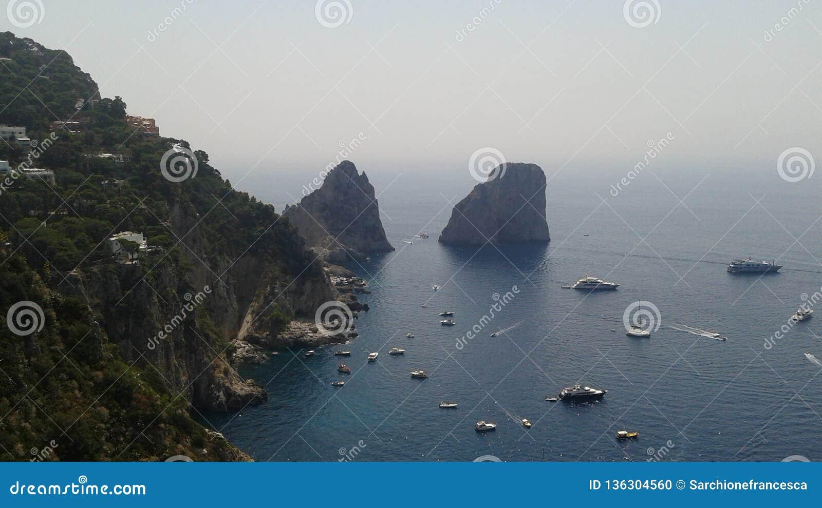 O Faraglioni de Capri