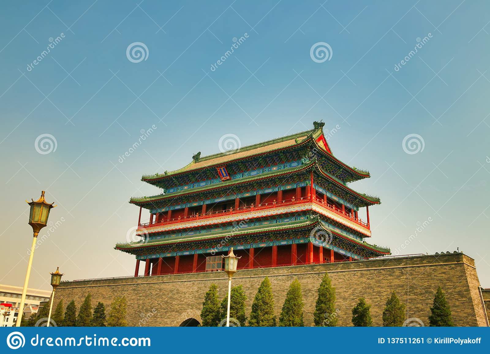 O Gatehouse de Zhengyangmen na Praça de Tiananmen Pequim