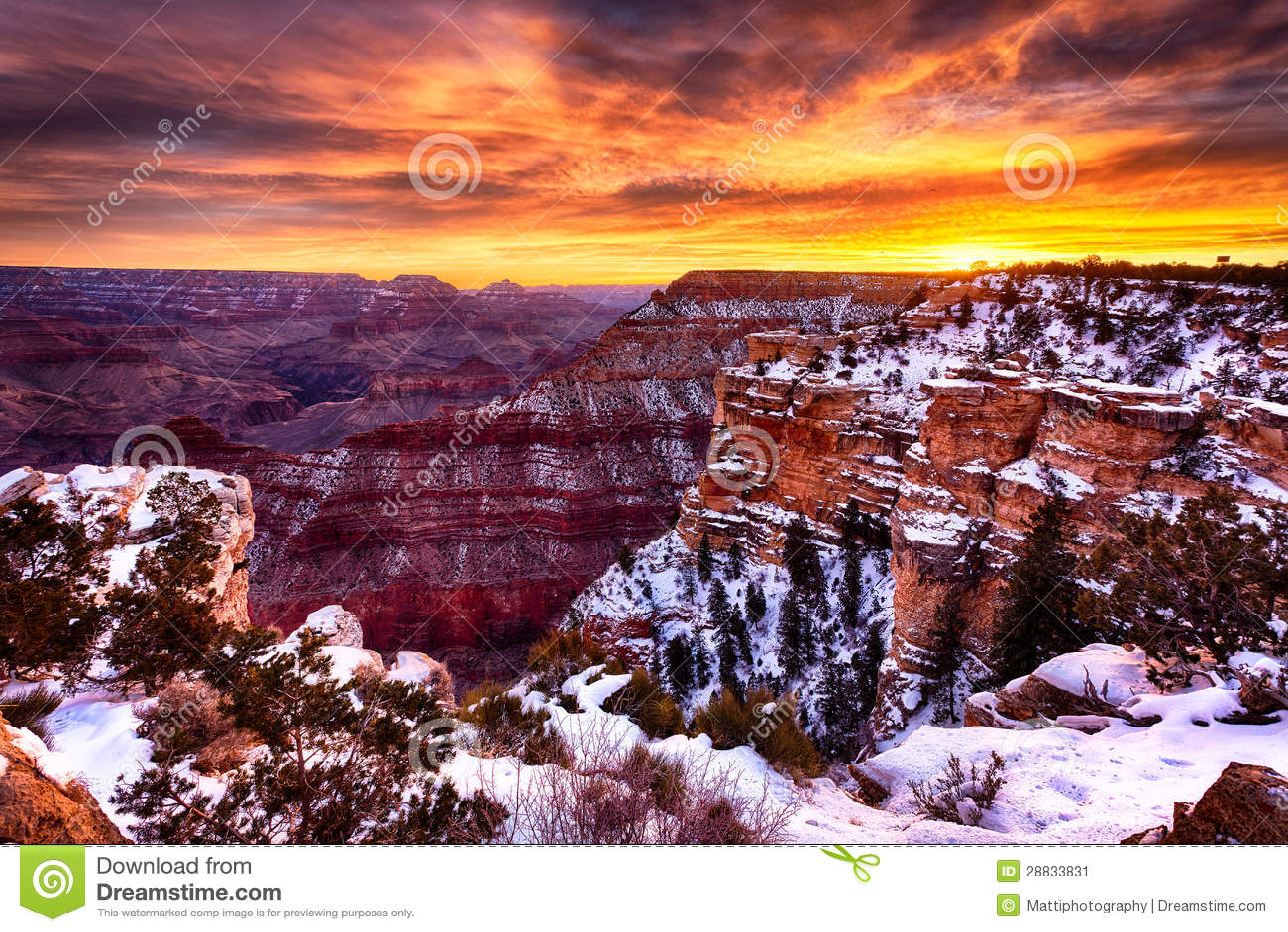 O Grand Canyon magnífico no nascer do sol