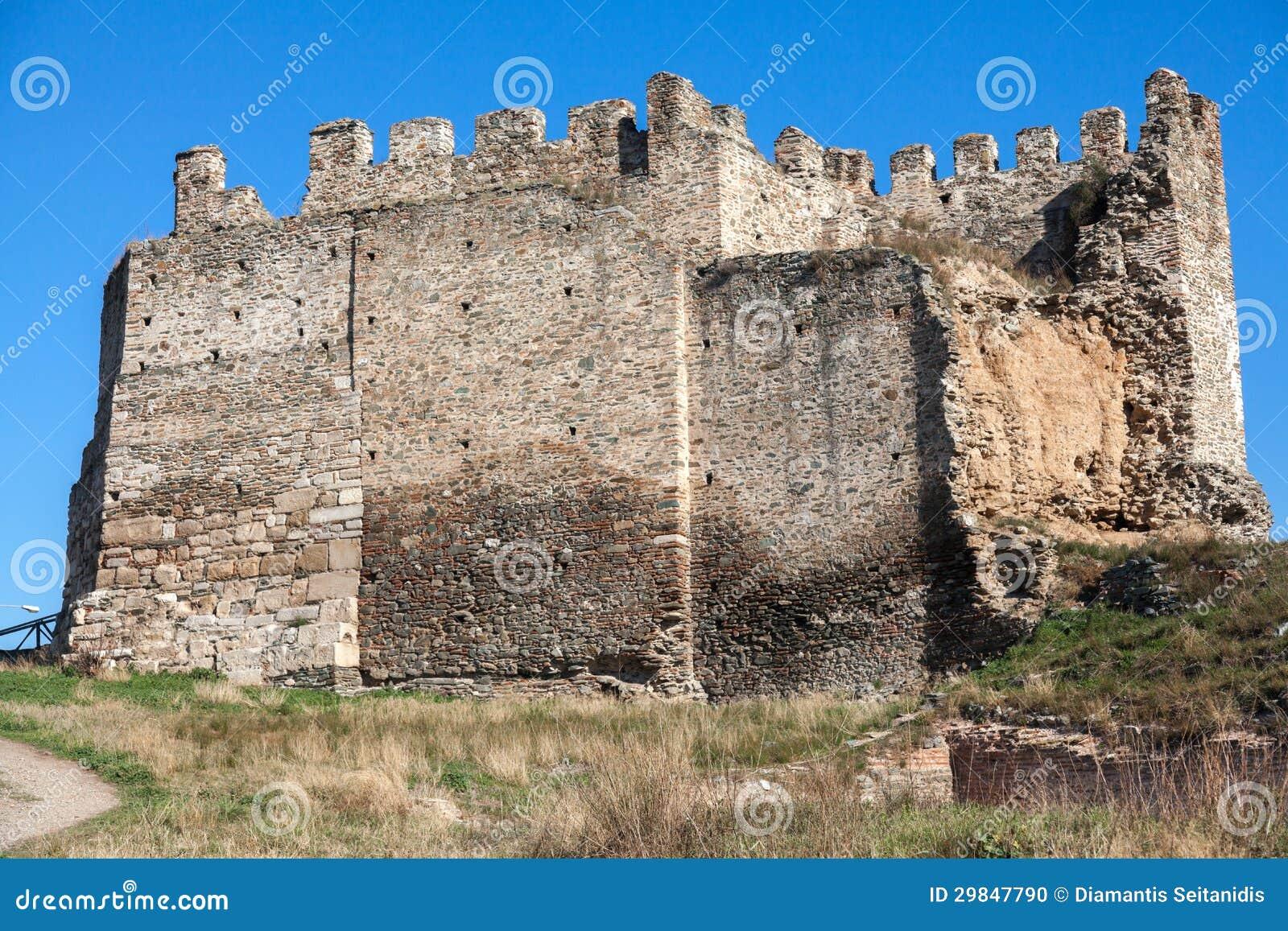 Heptapyrgion de paredes bizantinas