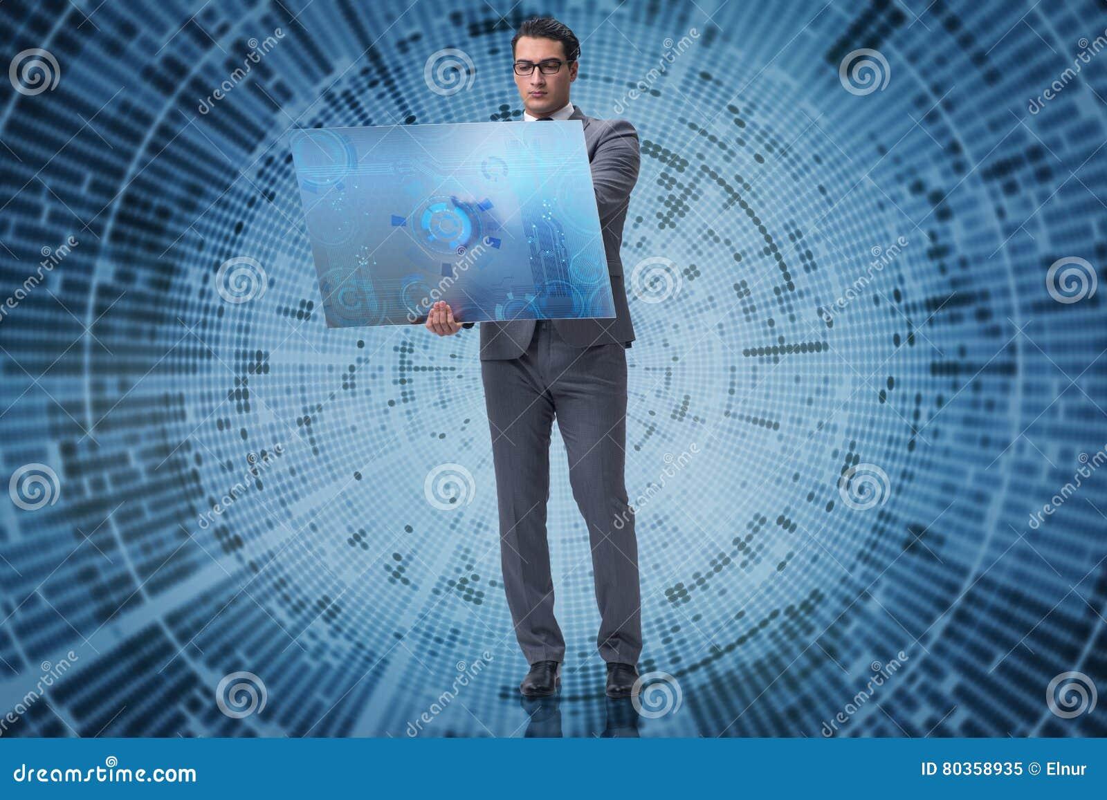 O homem de negócios novo no conceito da mineração de dados