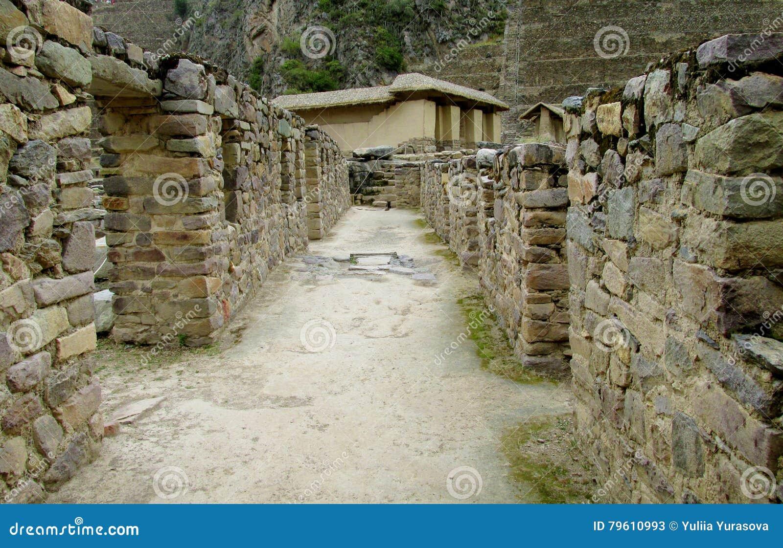 O Inca arruina Ollantaytambo, Peru