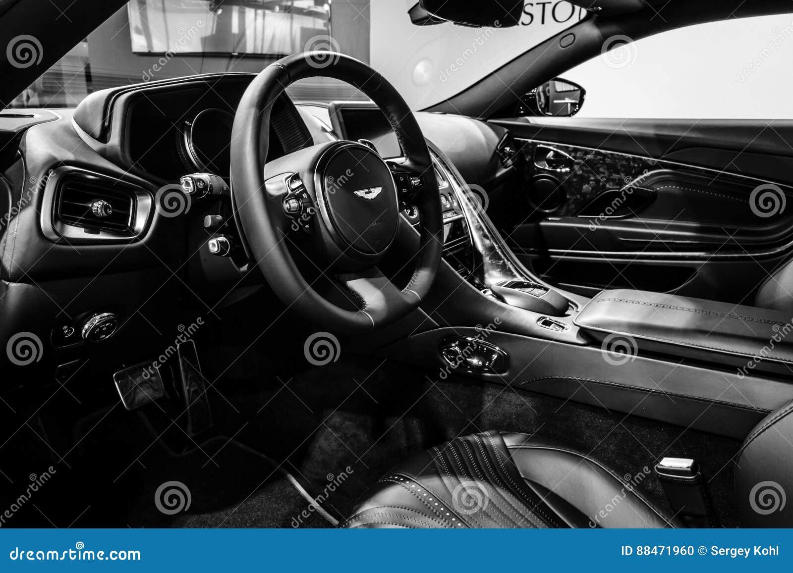 O Interior Do Carro Grande Aston Martin Db11 Do Tourer 2016 Imagem Editorial Imagem De 2016 Interior 88471960