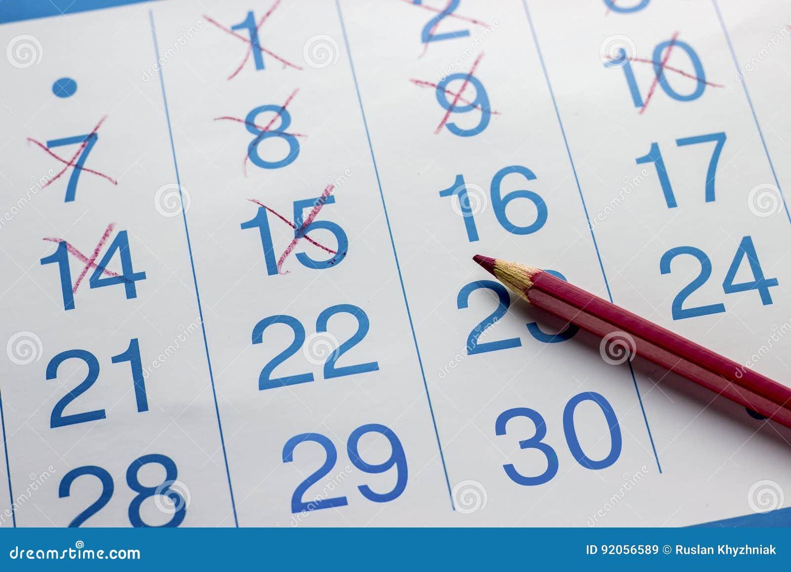 O lápis encontra-se no calendário